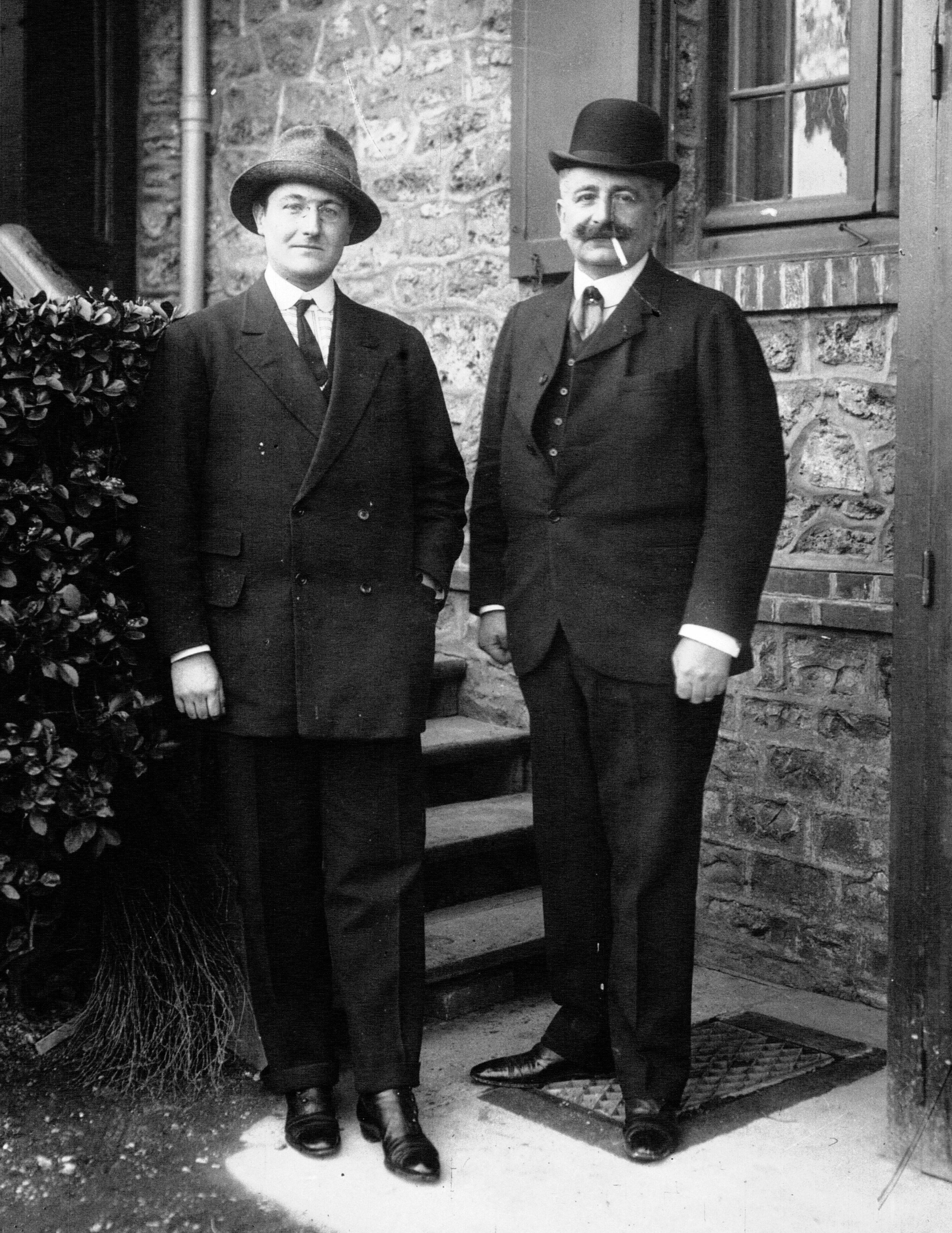 Louis et Laurent Seguin 1912.jpg