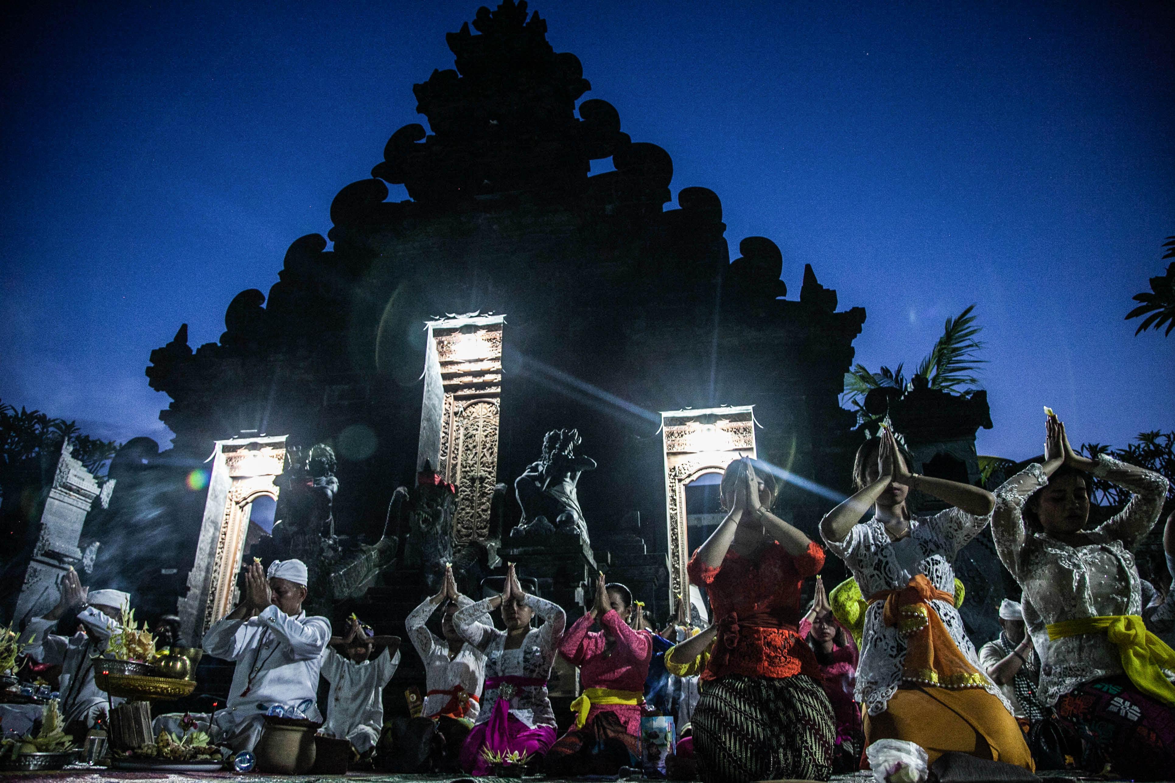 Meditasi Nyepi Hindu