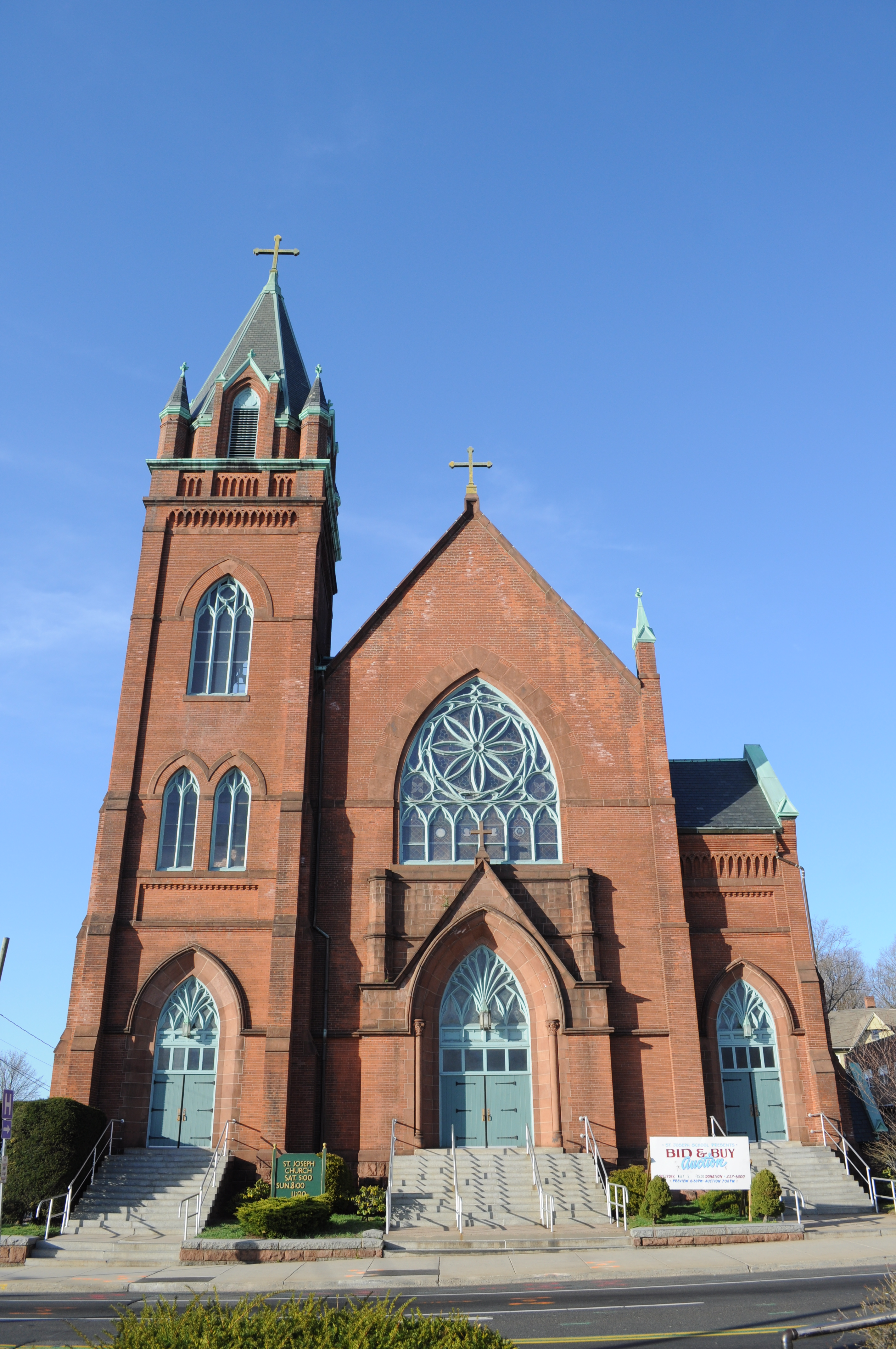 The catholic church should abolish the priesthood