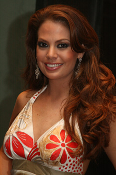 Miss Ecuador 07 Valeska Saab