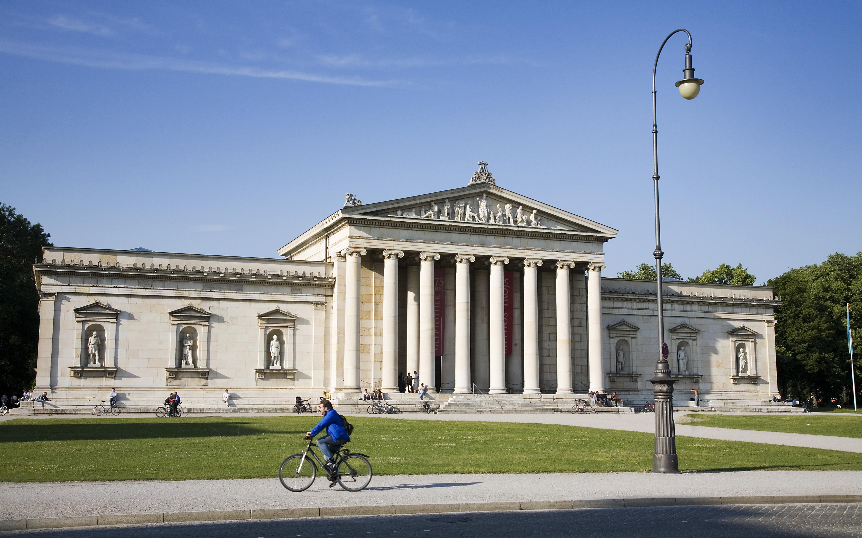 Lenbachhaus Museum, Munich Building by Foster   Partners - e-architect