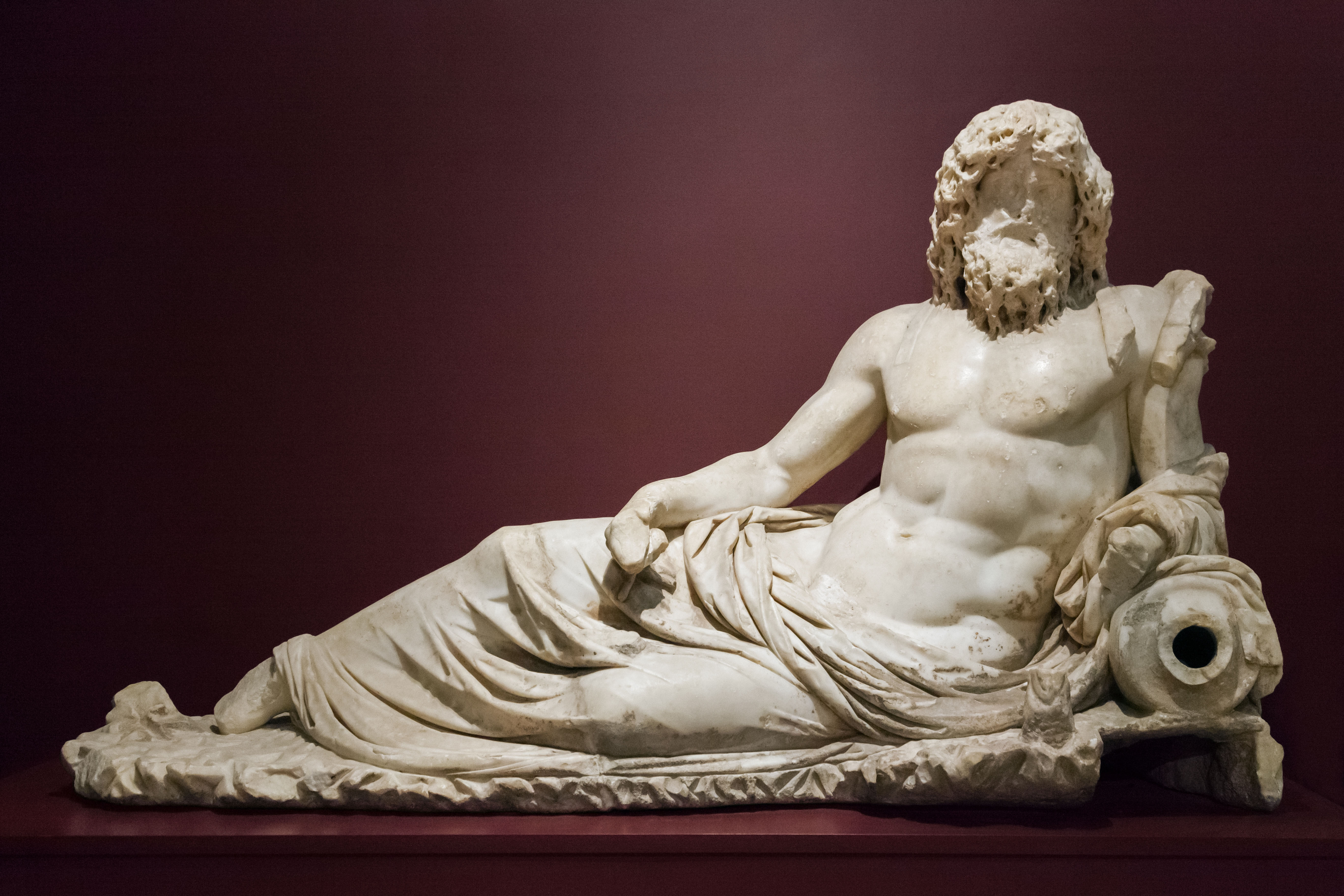 An image of the god Oceanus in statue form.