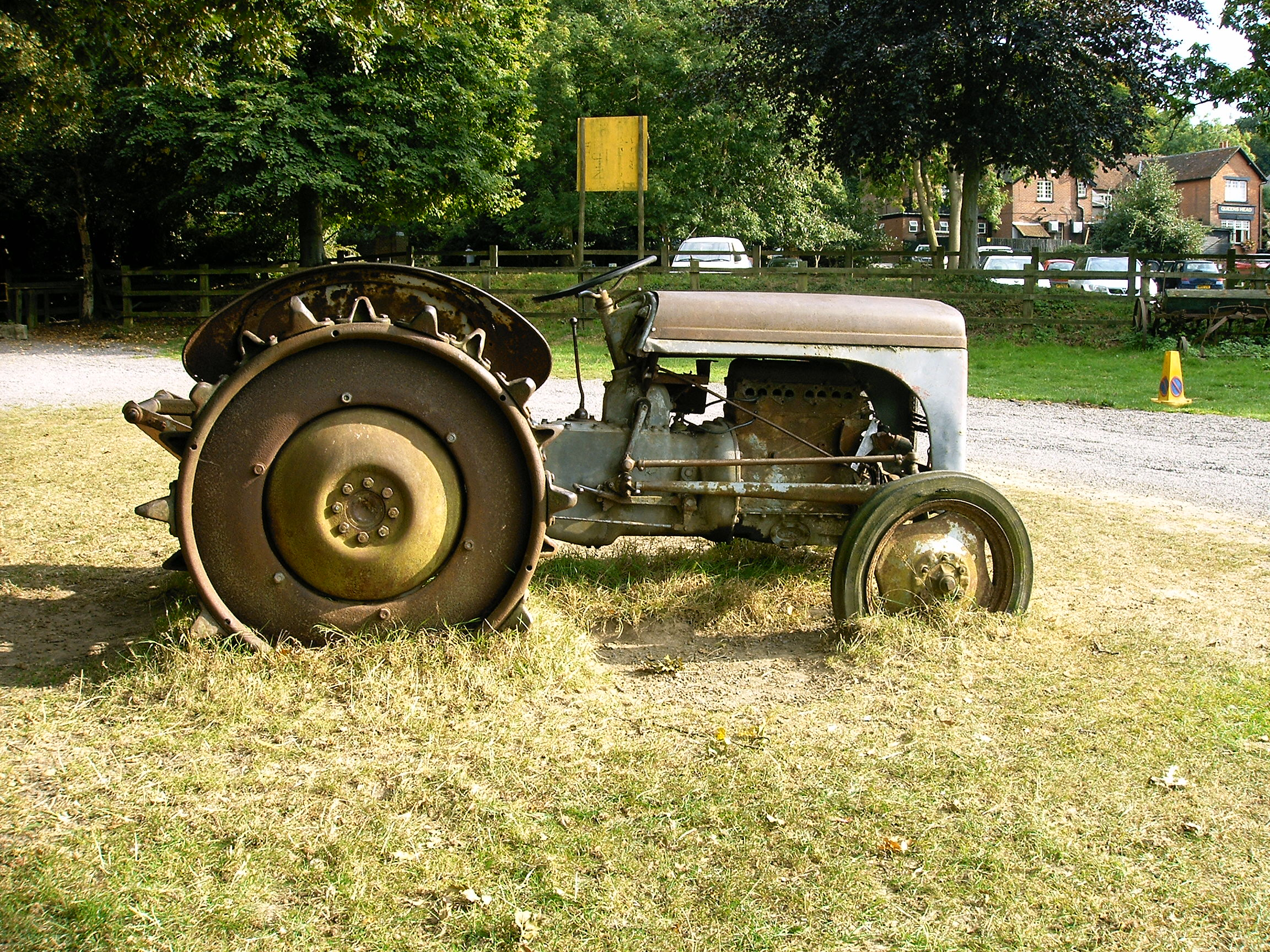 Oldest Antique Tractors : File old tractor g wikimedia commons