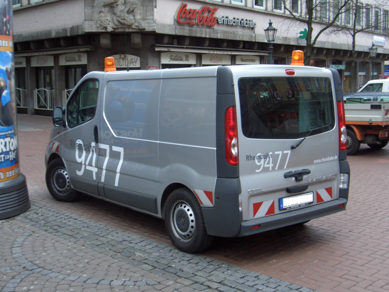 file opel vivaro 2 5 cdti kastenwagen 1stgen facelift from2001 duesseldorfrheinbahn backleft. Black Bedroom Furniture Sets. Home Design Ideas