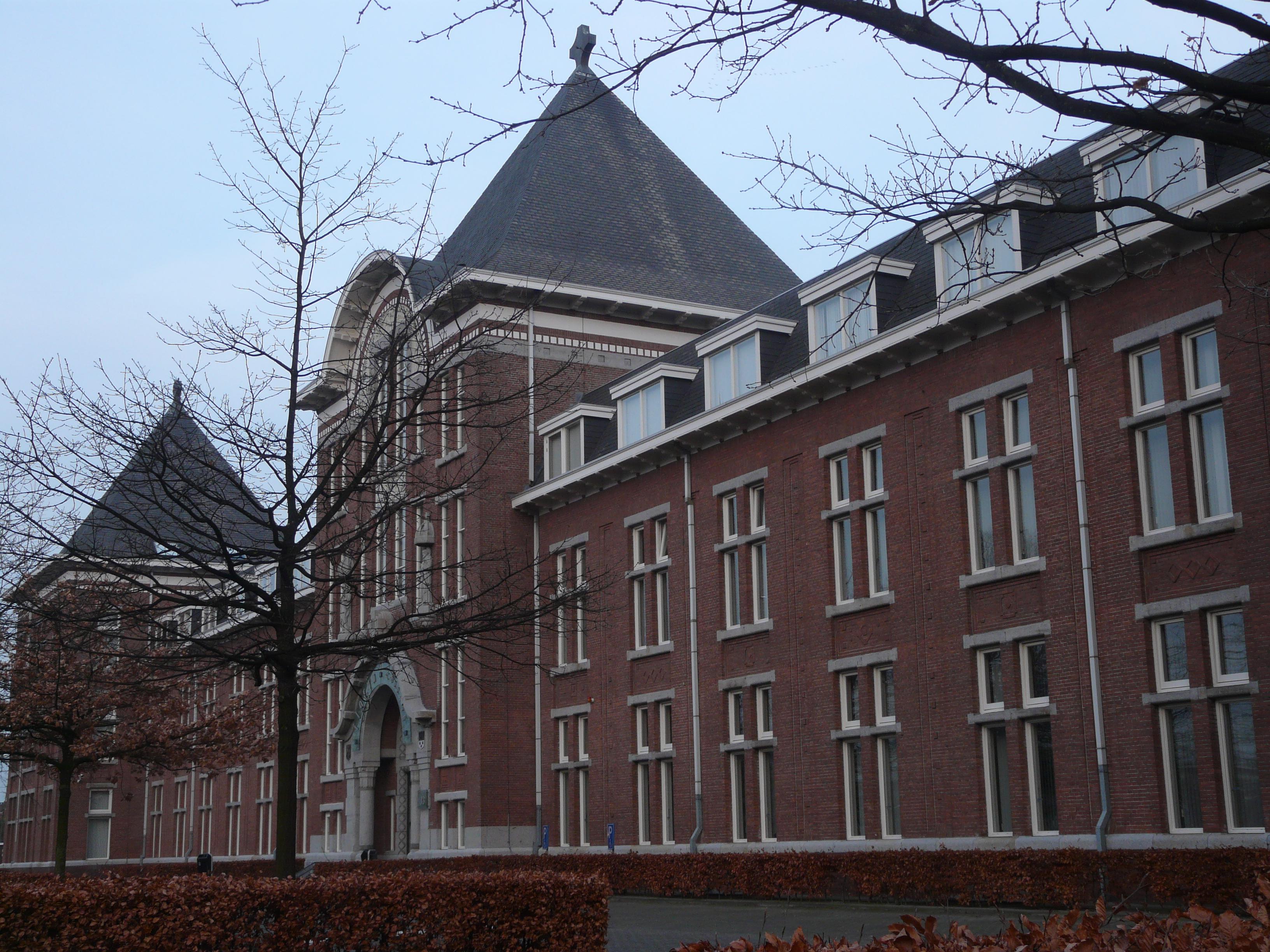 Zuinige verlichting verlaagt energierekening Florijn College - LED ...