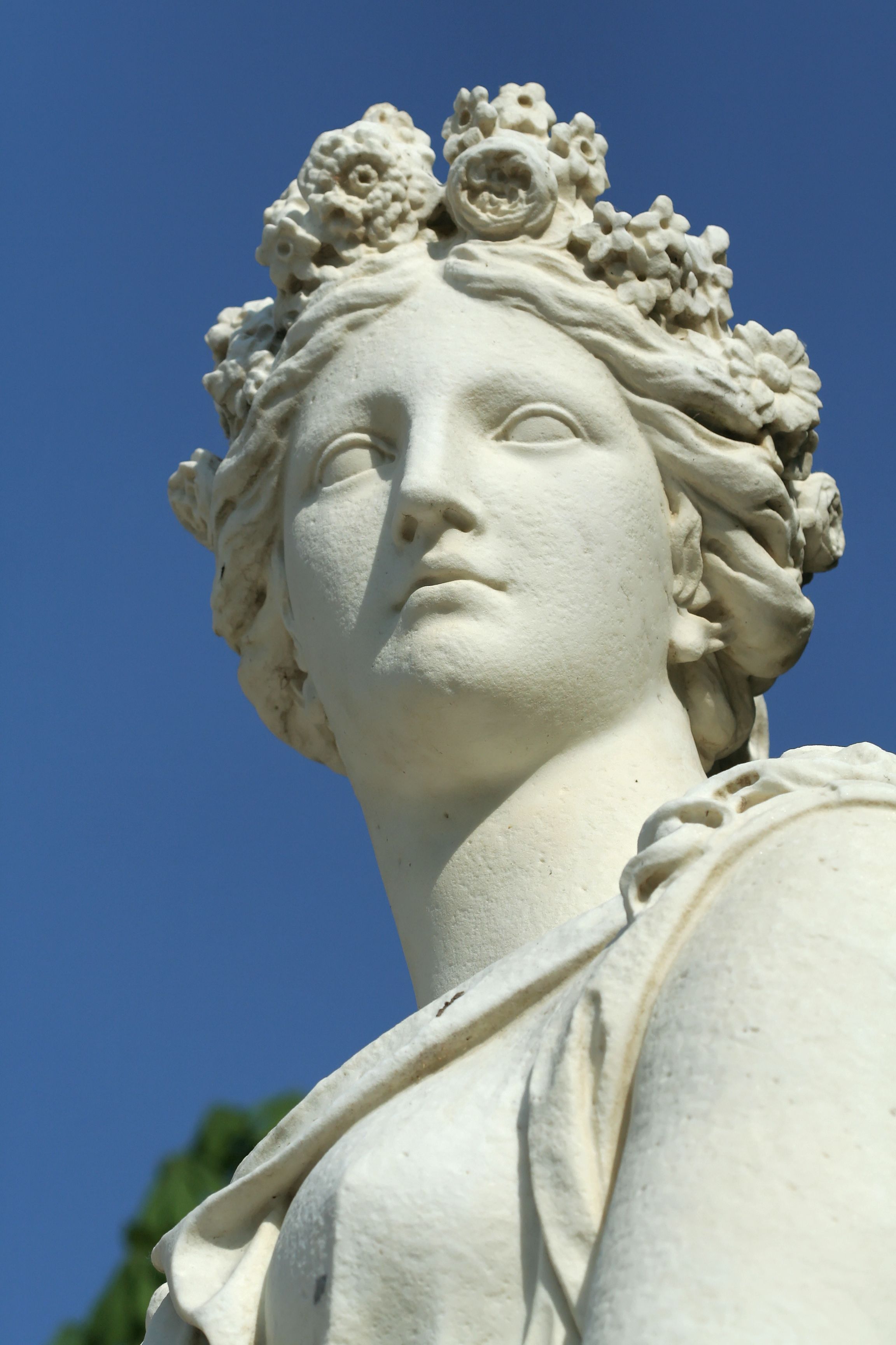 Parc de Versailles, demi-lune du bassin d'Apollon, Printemps, Marc Arcis & Simon Mazière 03.jpg