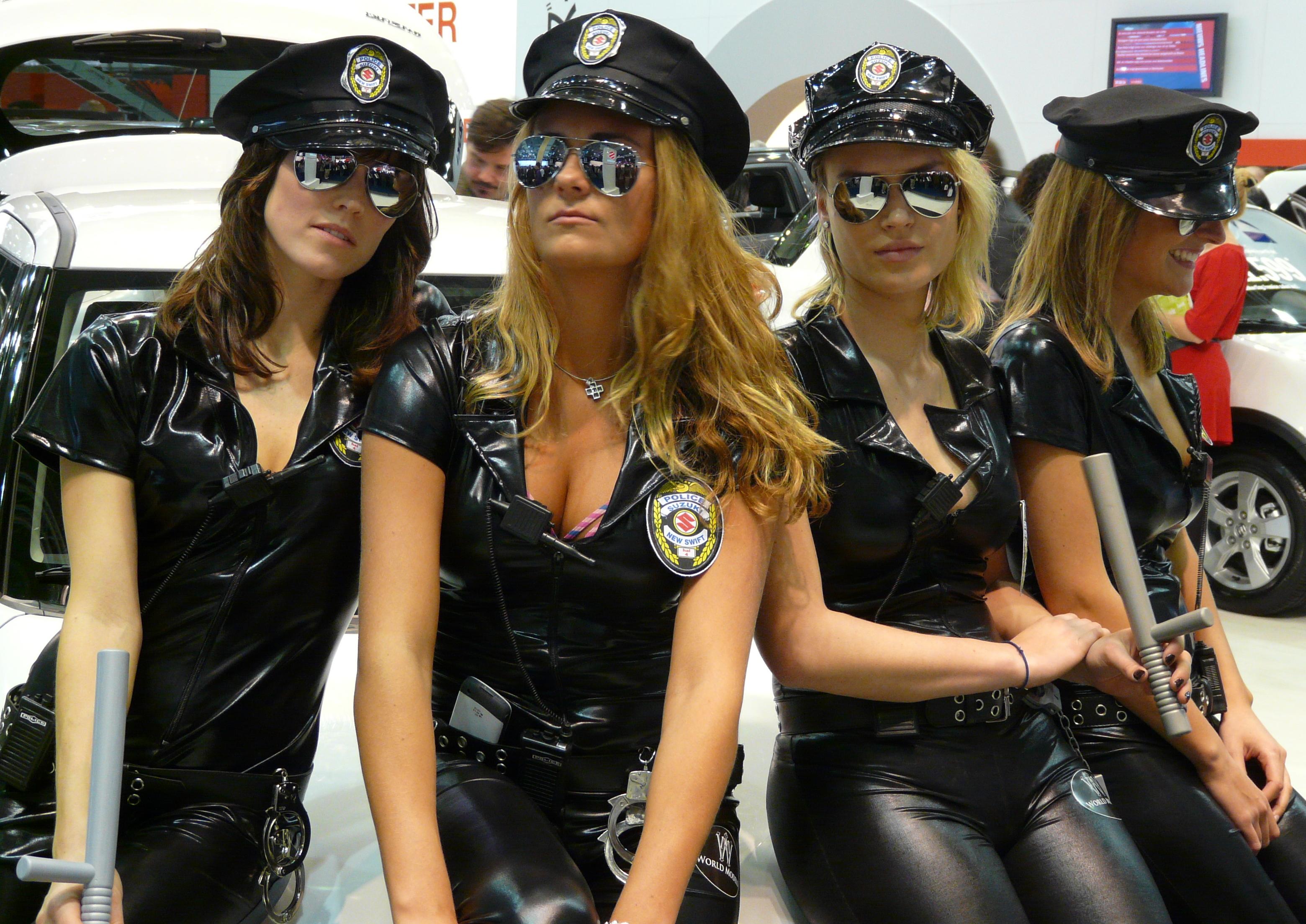 Uk Police Hot Weather Dog
