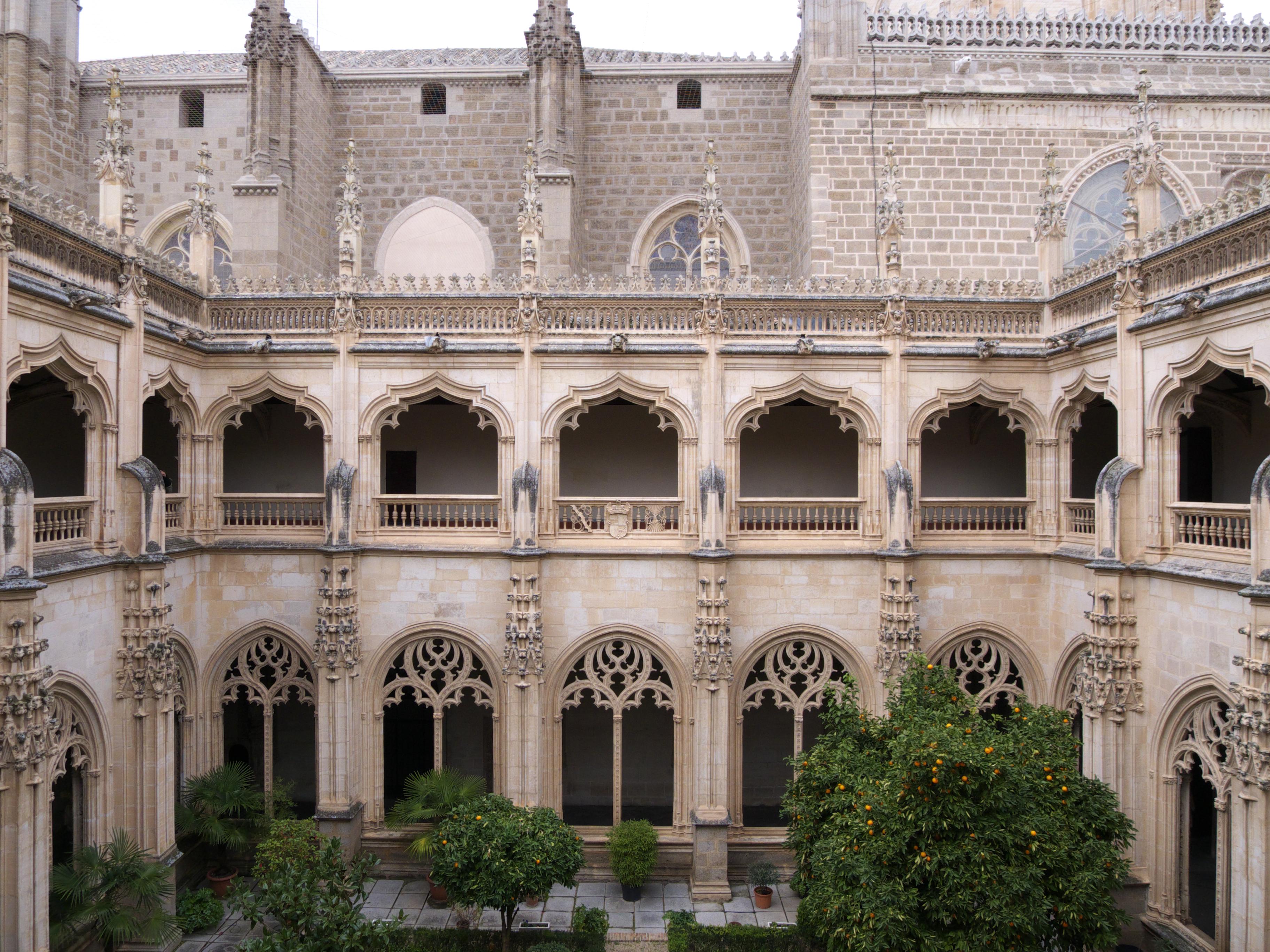 File:Real Monasterio de San Juan de los Reyes. Claustro.jpg