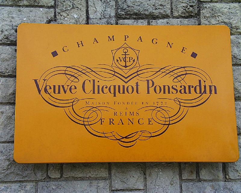 Reims 2008 -Veuve Clicquot Ponsardin- by-RaBoe 02.jpg