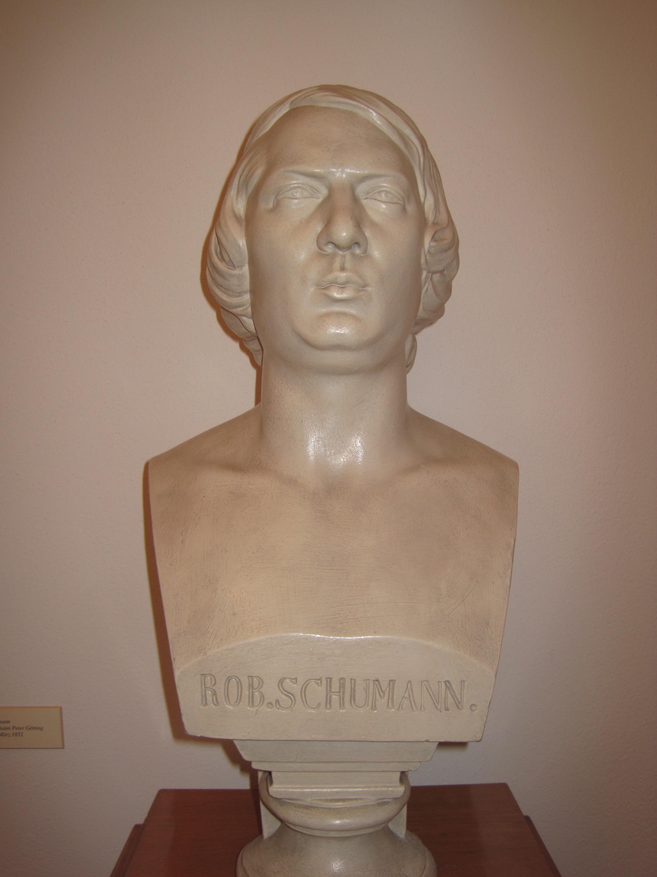 Escultura de Robert Schumann.