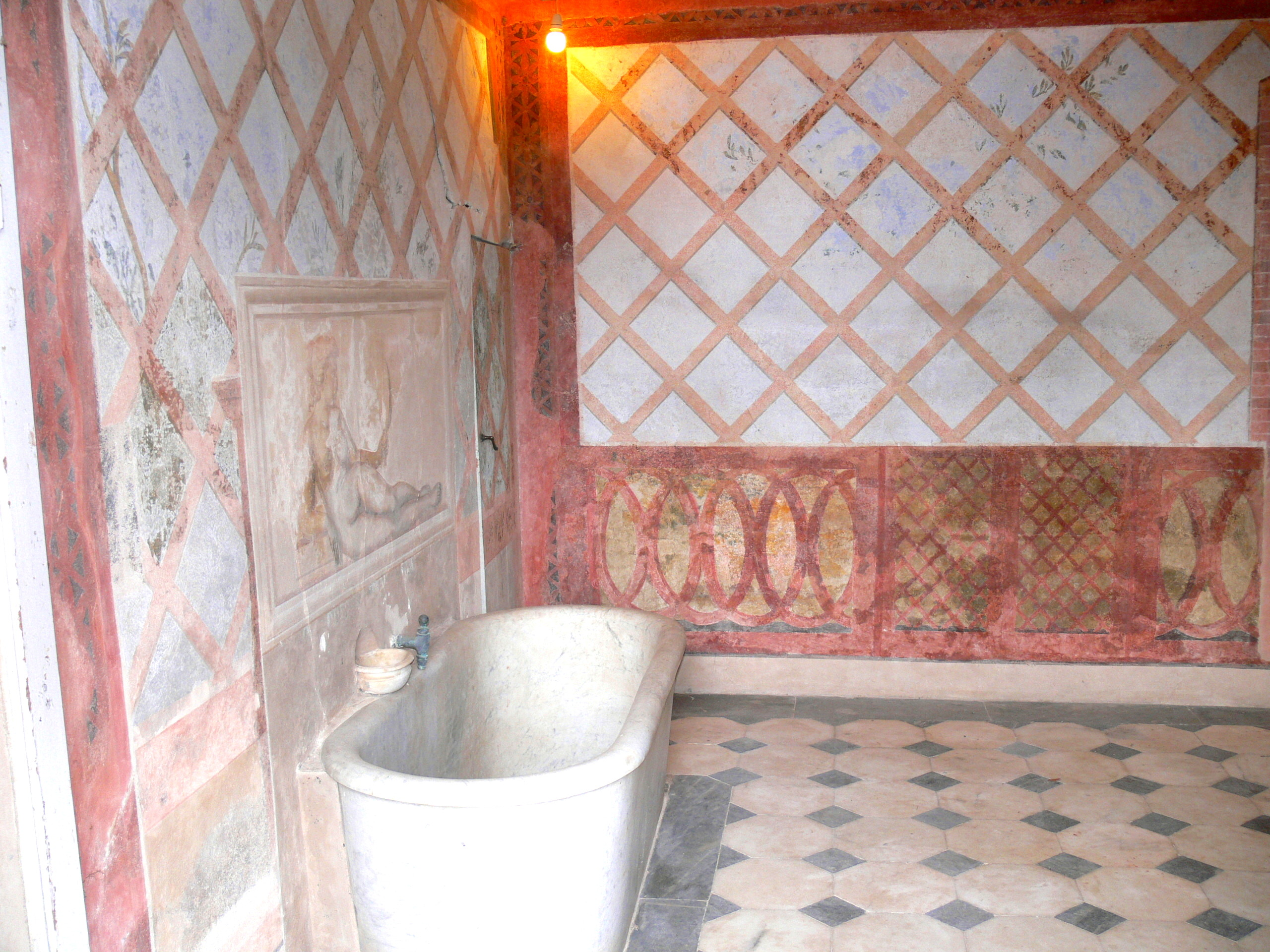 File:San Martino   Napoleons Haus Badezimmer