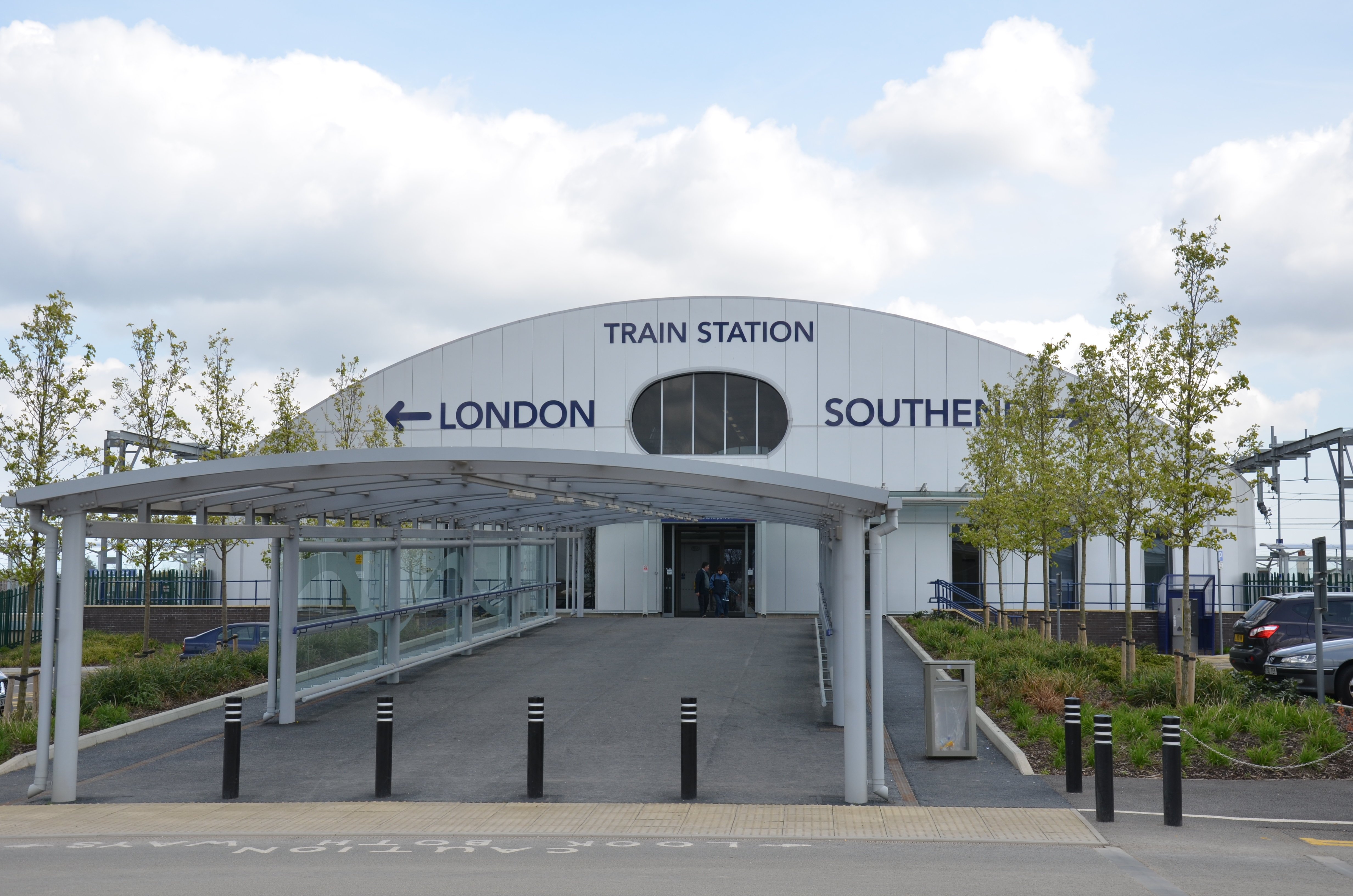 southend airport railway station wikipedia. Black Bedroom Furniture Sets. Home Design Ideas