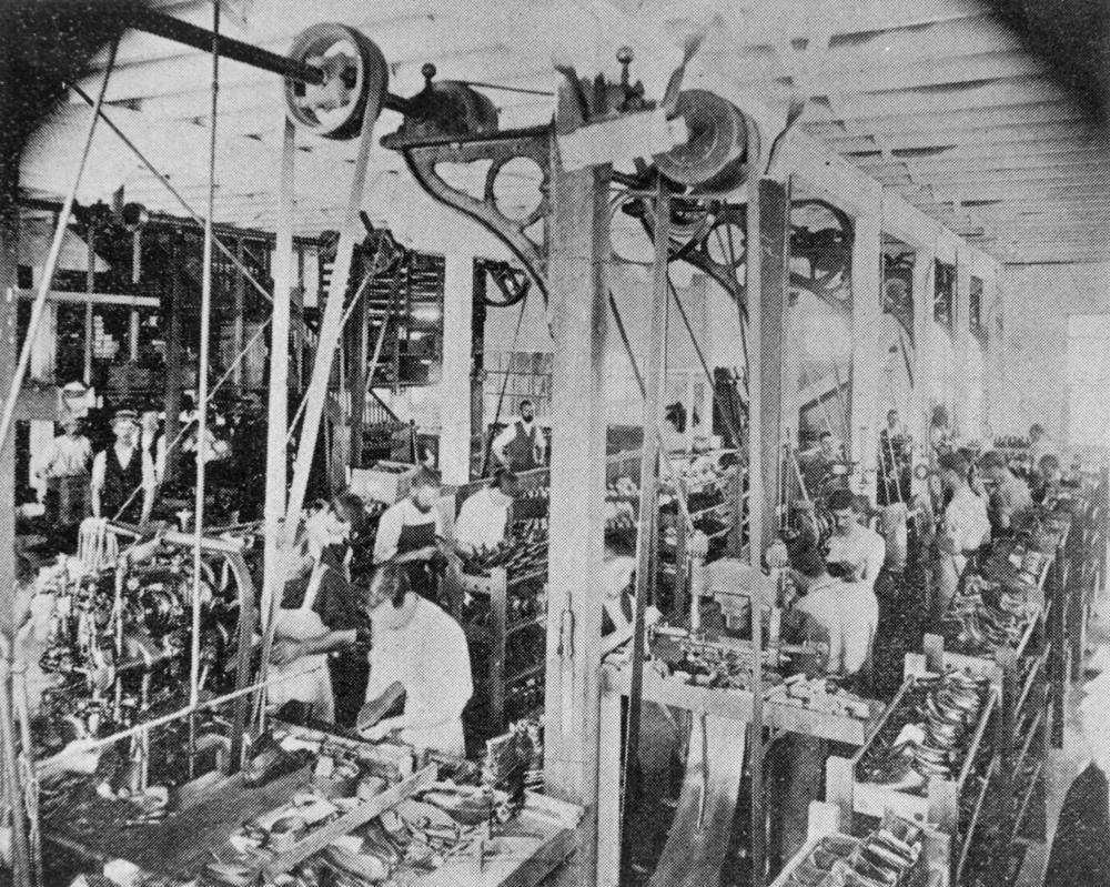 about factory workers history essay In my opinion to call a factory worker back then a wage slave is a correct term to use for them they were slaves in a factory a large number of those workers were children under the age of ten, and some times they got brutally wiped.