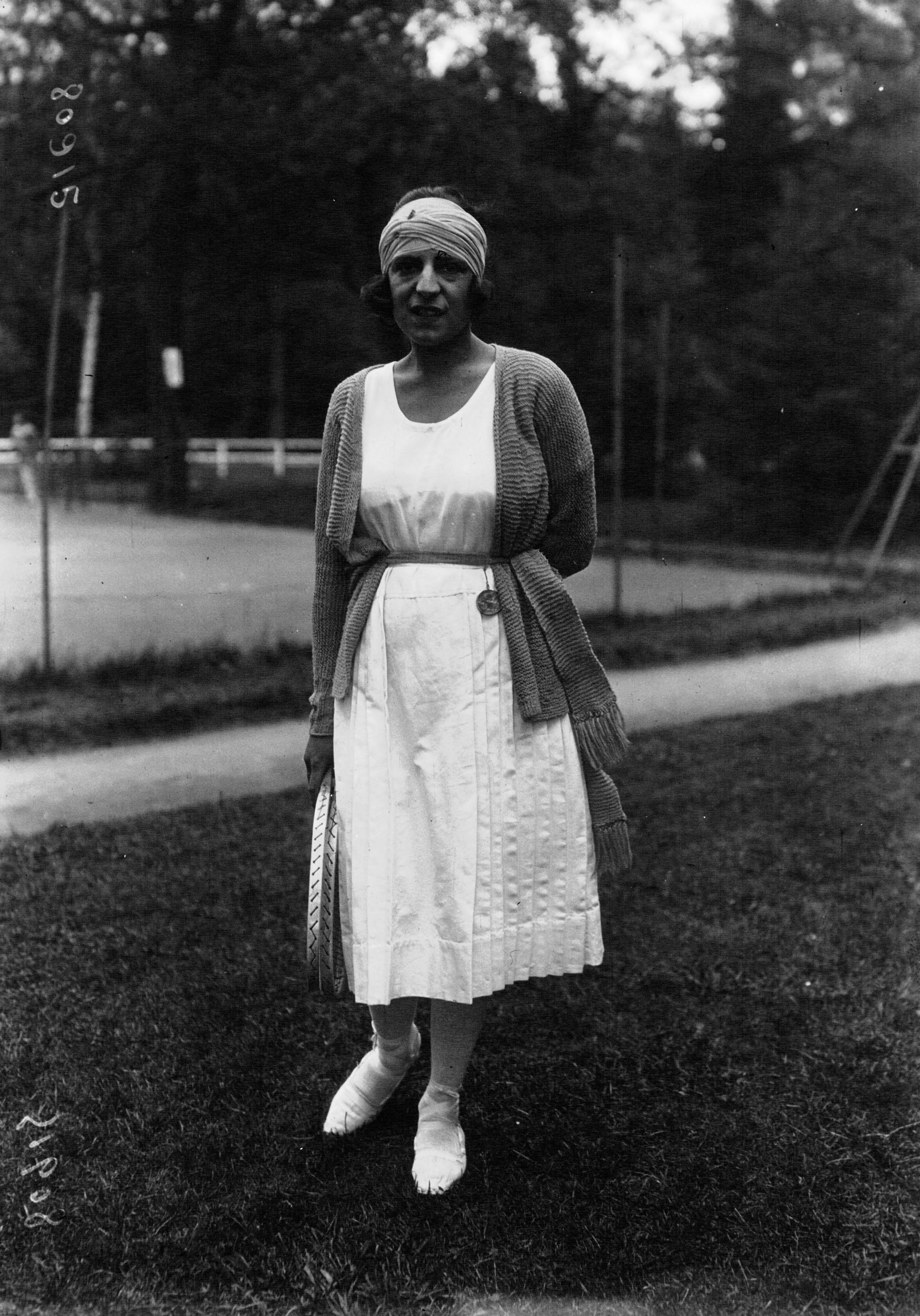 File Suzanne Lenglen 1920 Wikimedia mons