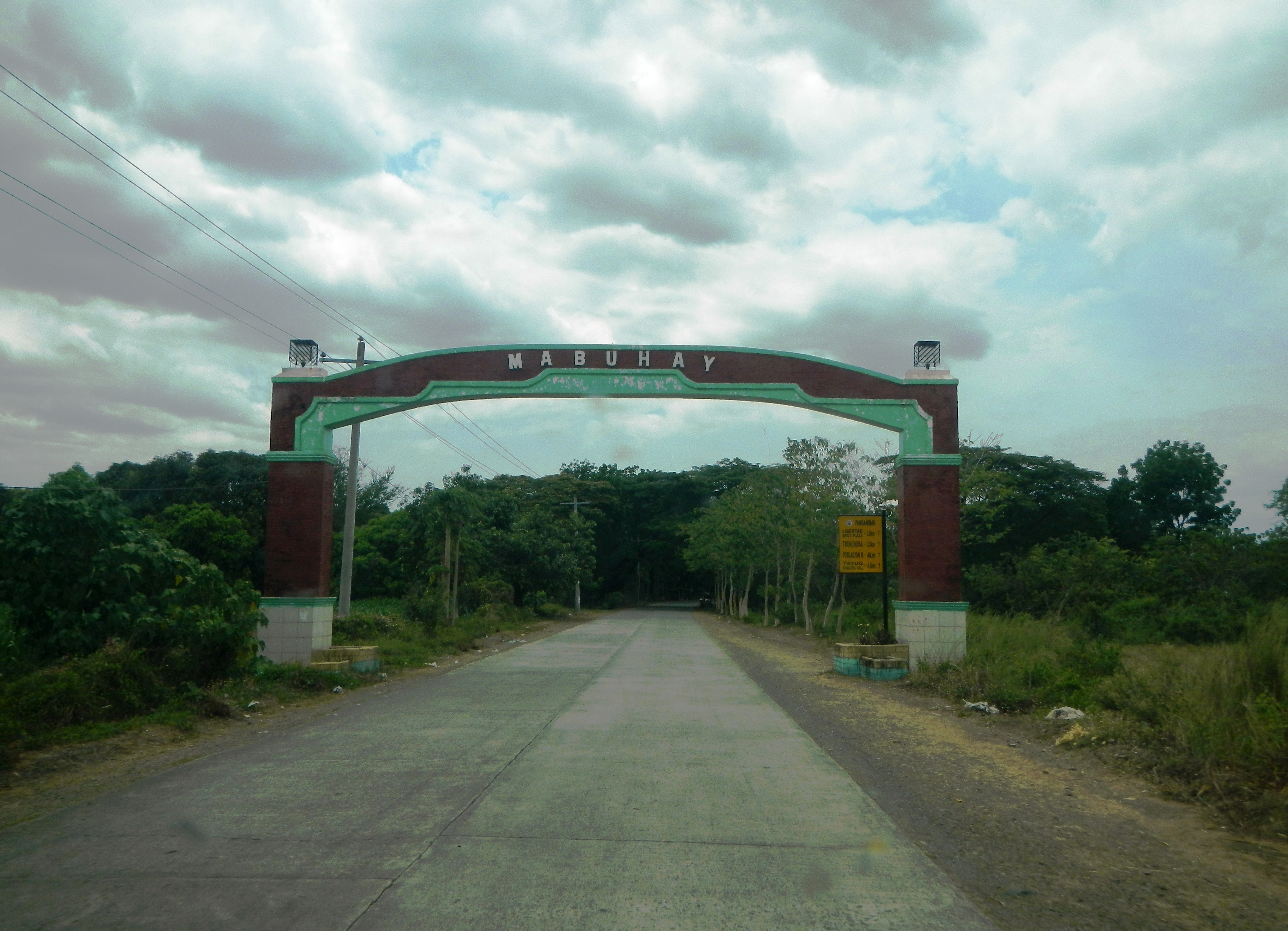 File:Tayug Welcome Arch in Pangasinan (from San Quintin