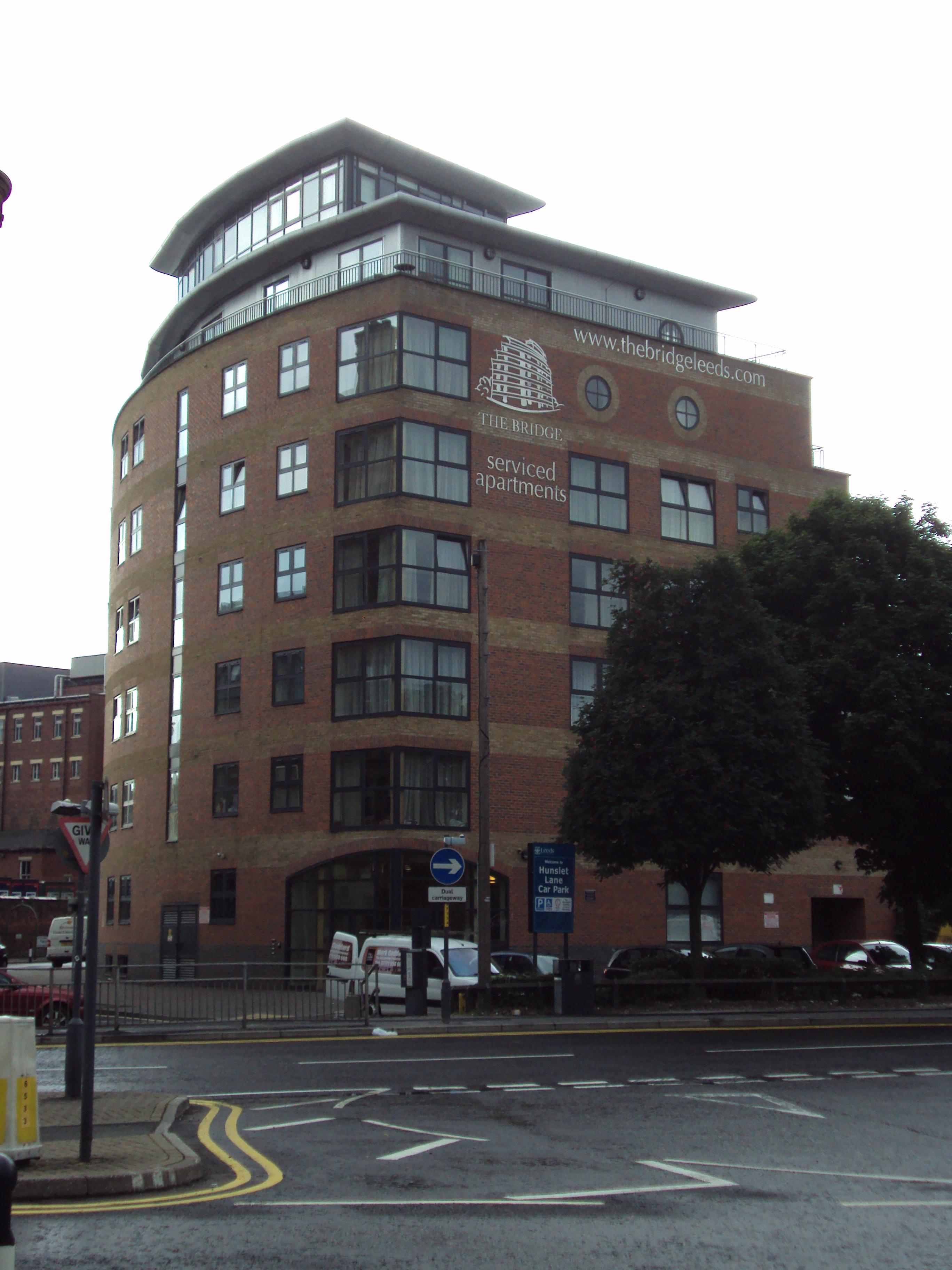 File:The Bridge, Serviced Apartments, Leeds   DSC07534.JPG