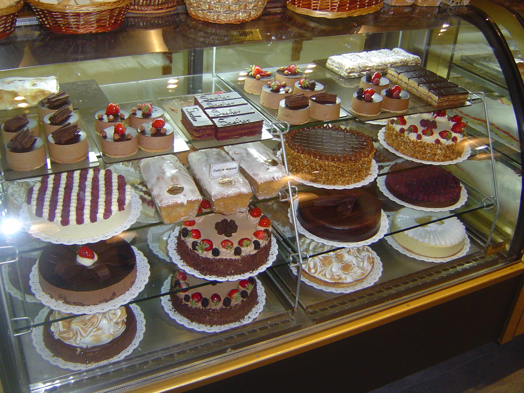 Description Tortas en San Martín de los Andes.JPG