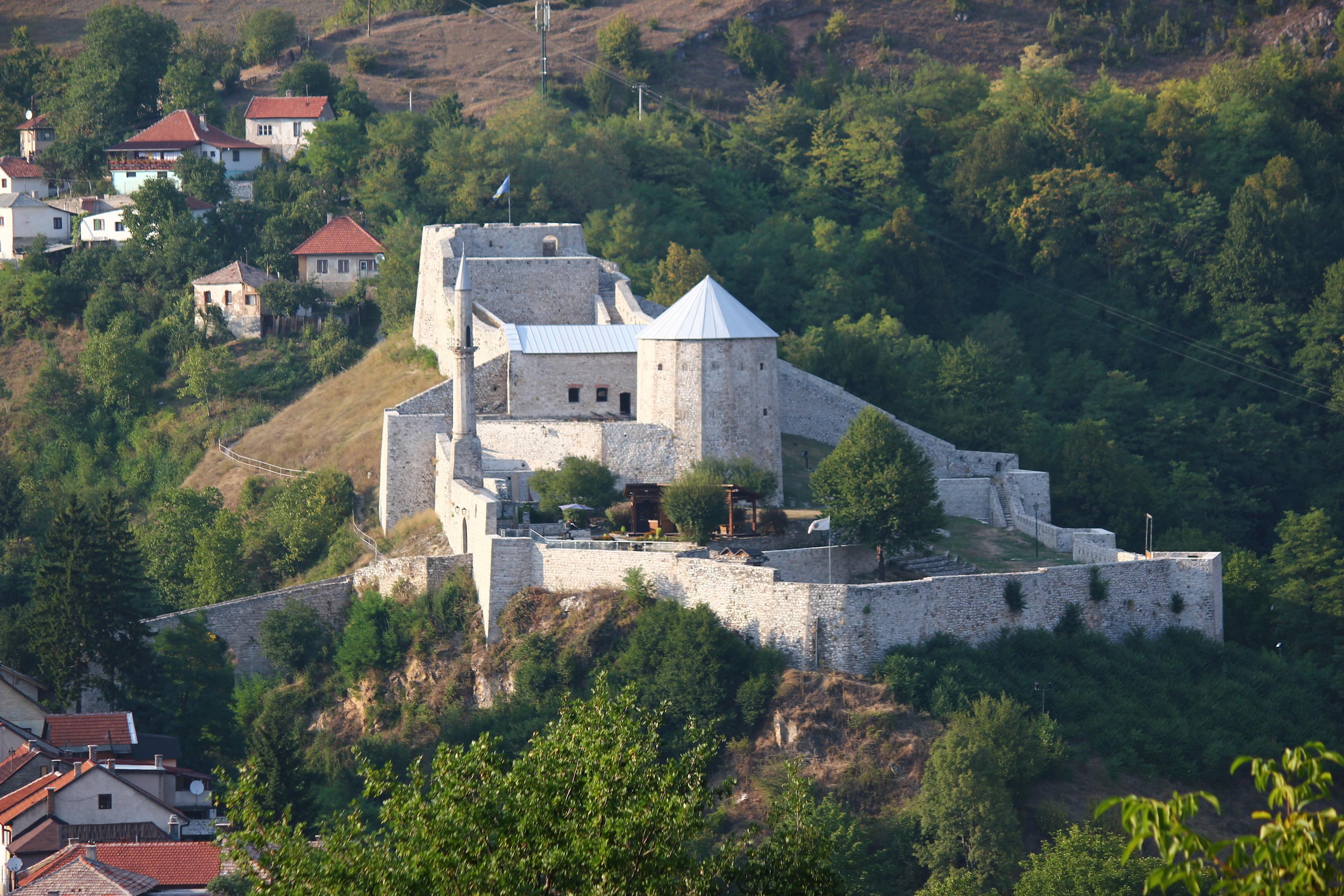 File:Travnik Festung 1.JPG - Wikimedia Commons