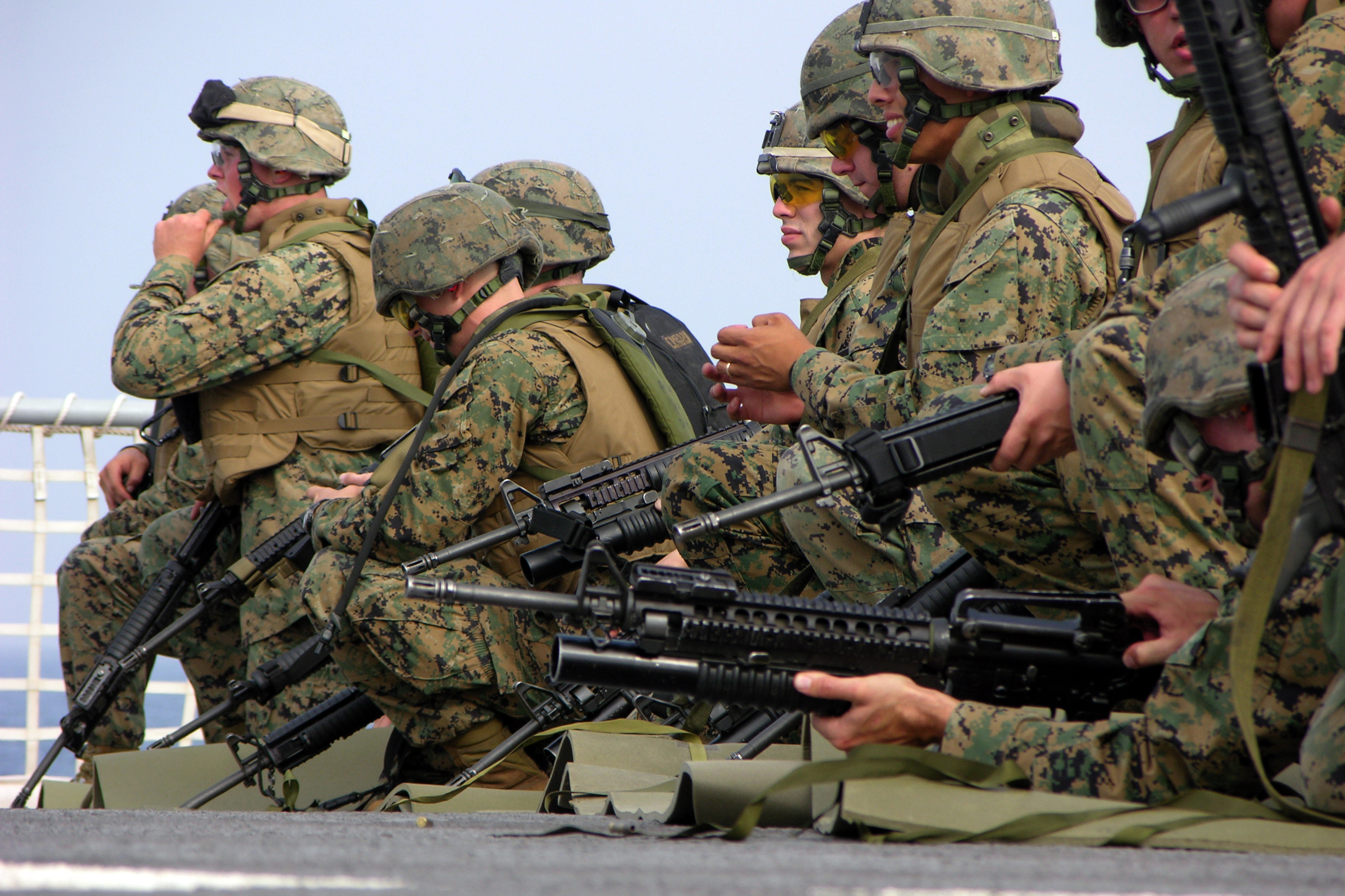 File:US Navy 051007-M-2175L-107 U.S. Marines assigned to ...