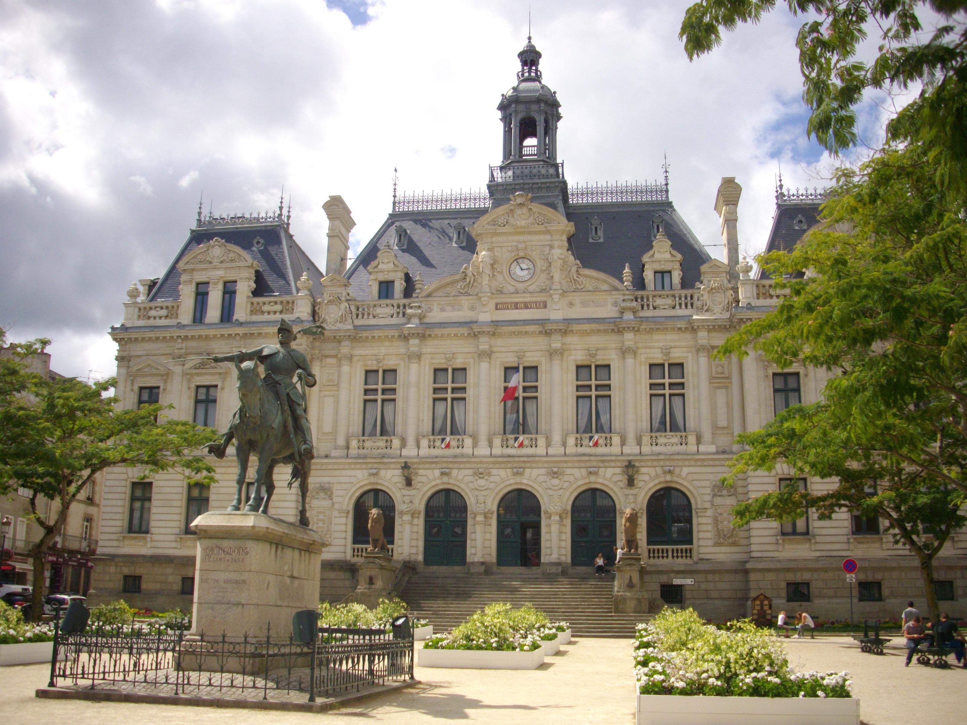 Fichier vannes h tel de ville 03 jpg wikip dia for Hotel avec piscine vannes