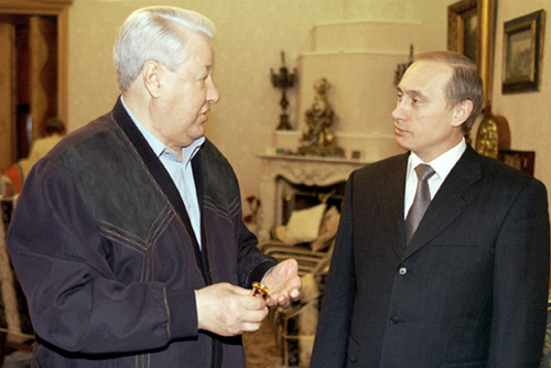 File:Vladimir Putin with Boris Yeltsin-6.jpg