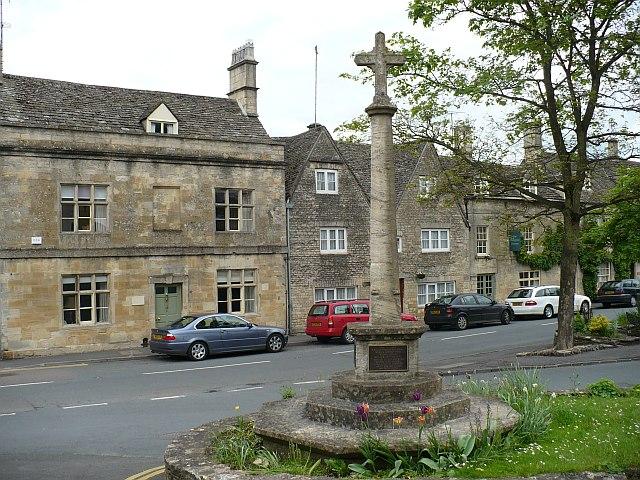 War Memorial, Northleach - geograph.org.uk - 829916