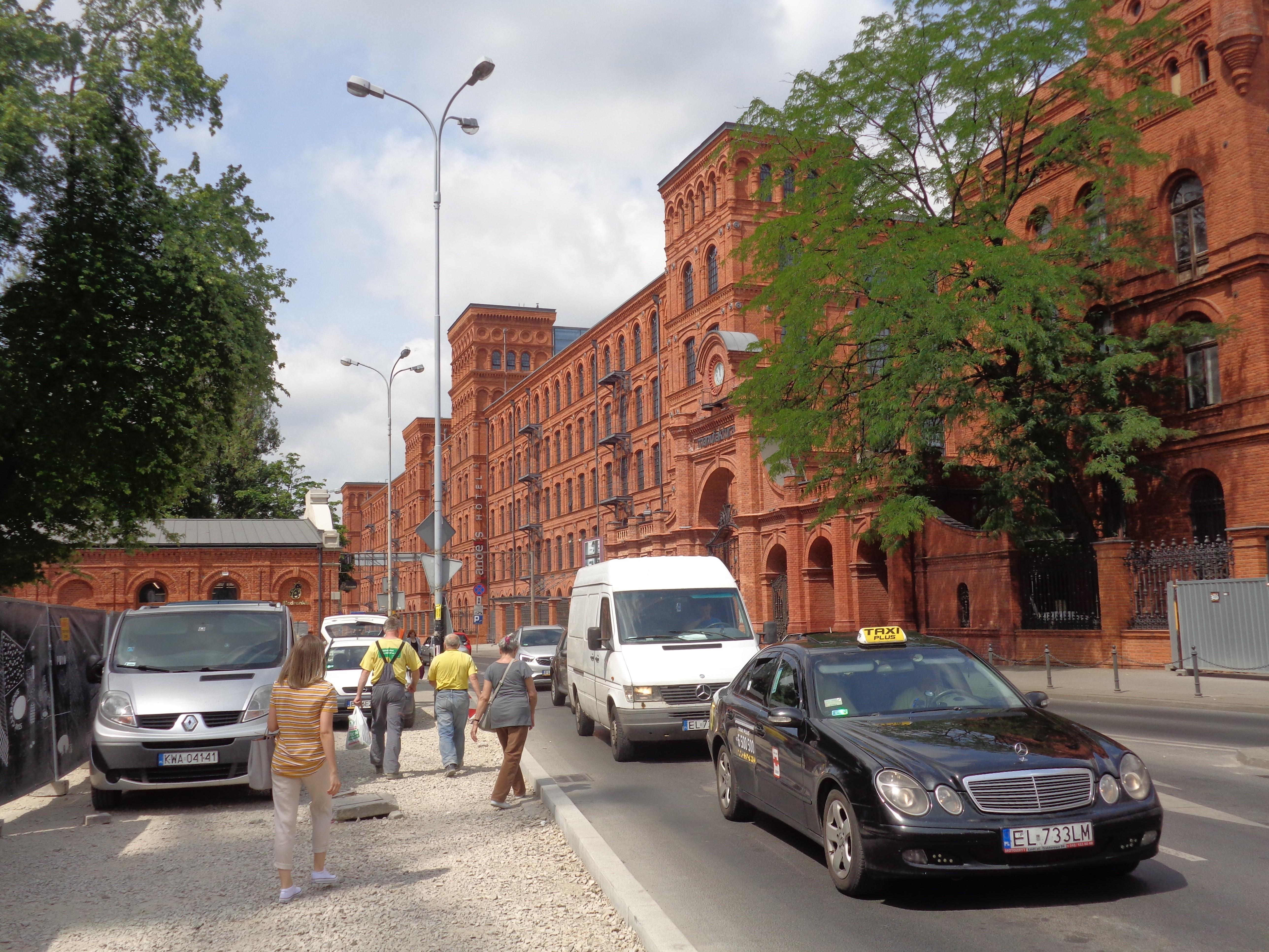 8f355f1bf5 File Łódź-Manufaktura