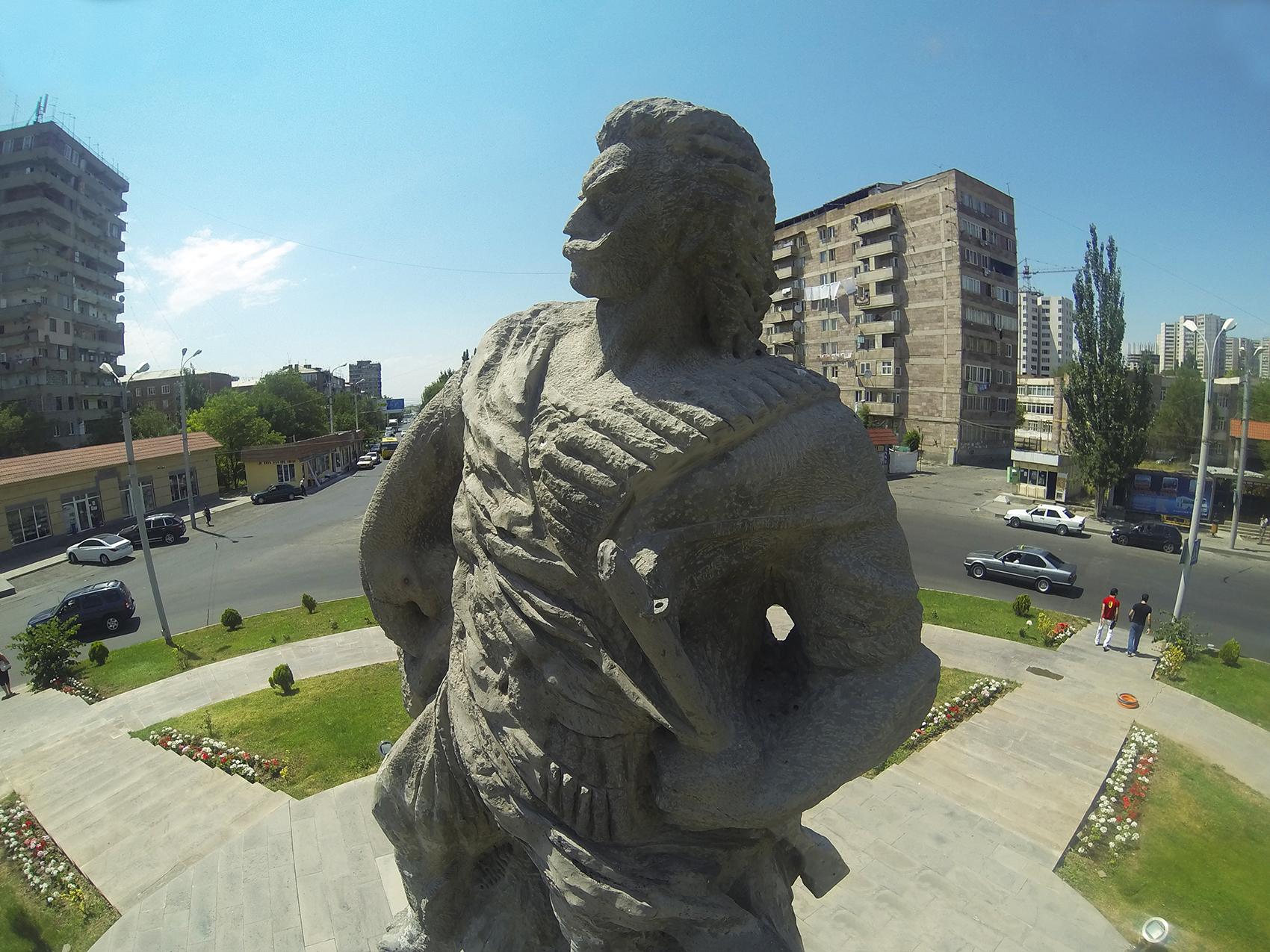 Գևորգ Չաուշի հուշարձան (Երևան, Աջափնյակ) - Վիքիպեդիա՝ ազատ հանրագիտարան