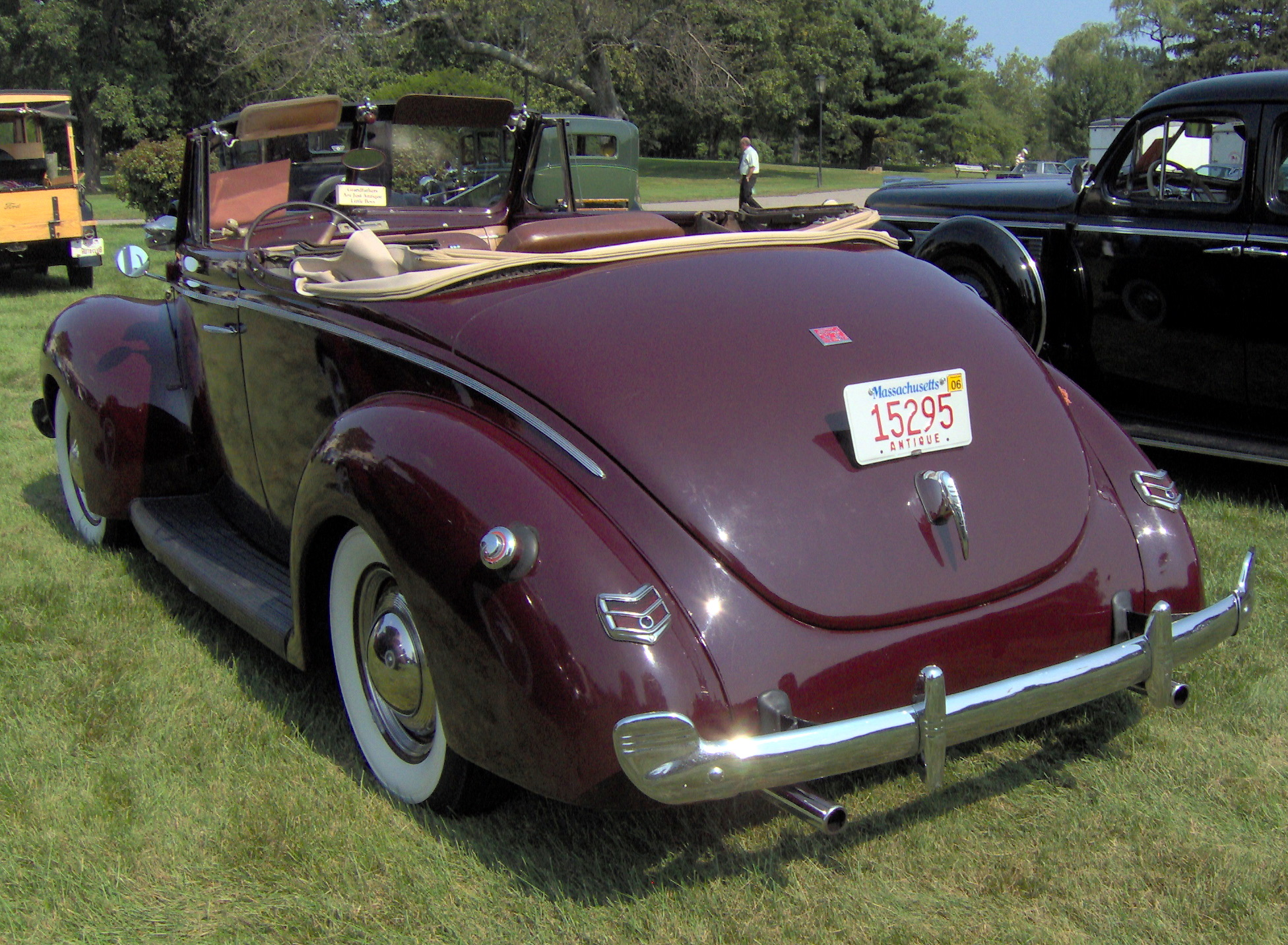 File 1940 Ford Deluxe Convertible Rear Jpg Wikimedia Commons