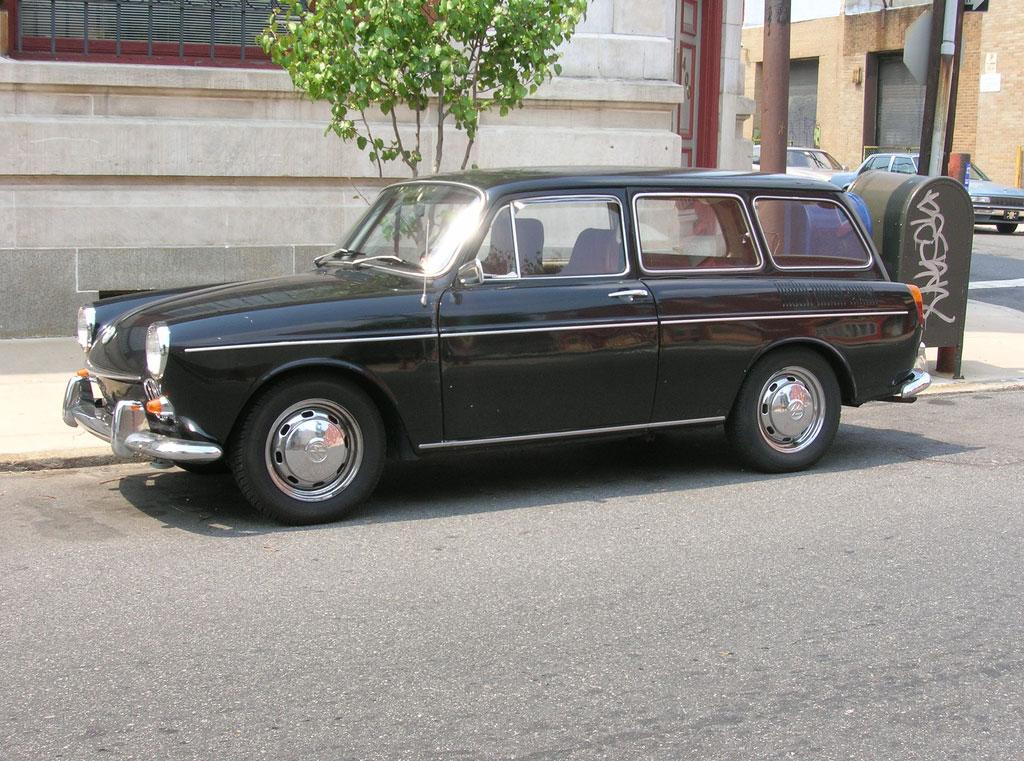 1966_Volkswagen_1600_Squareback.jpg