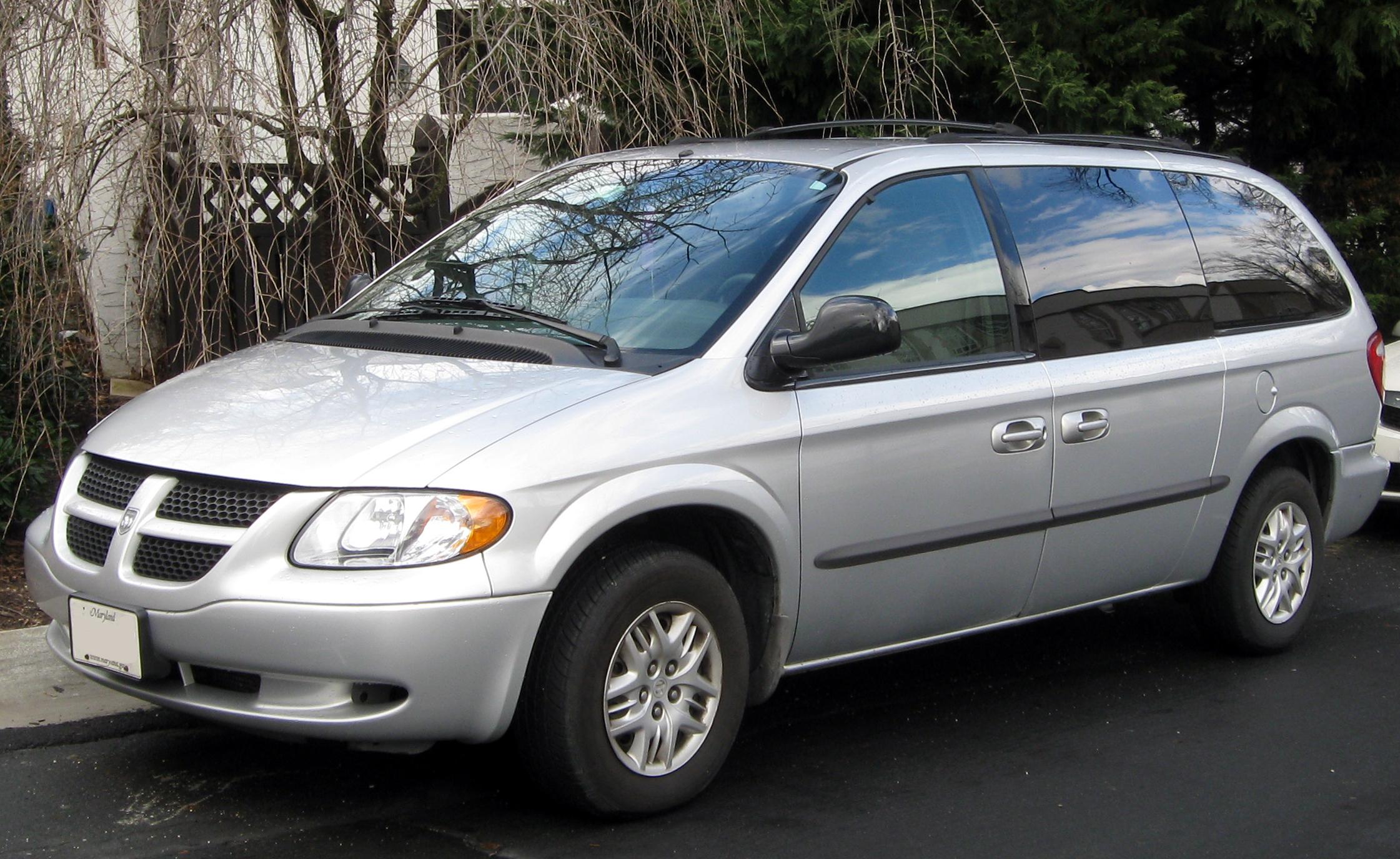 file 2001 2004 dodge grand caravan 01 27 2012 jpg wikimedia commons rh commons wikimedia org 2001 Dodge Caravan Interior 2000 Dodge Caravan
