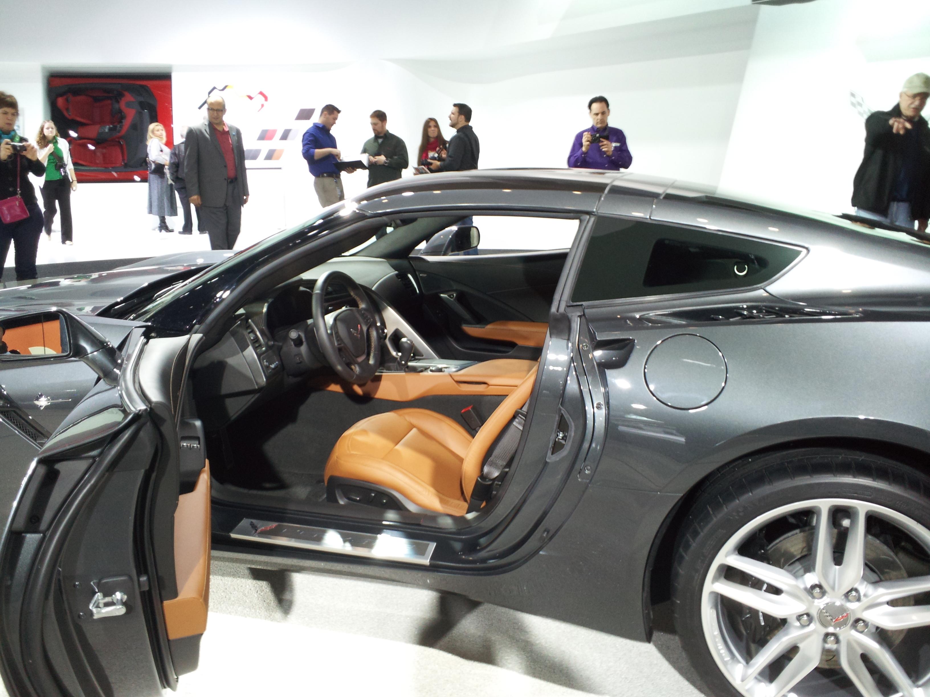 file 2014 corvette kalahari interior at 2013 detroit auto show jpg