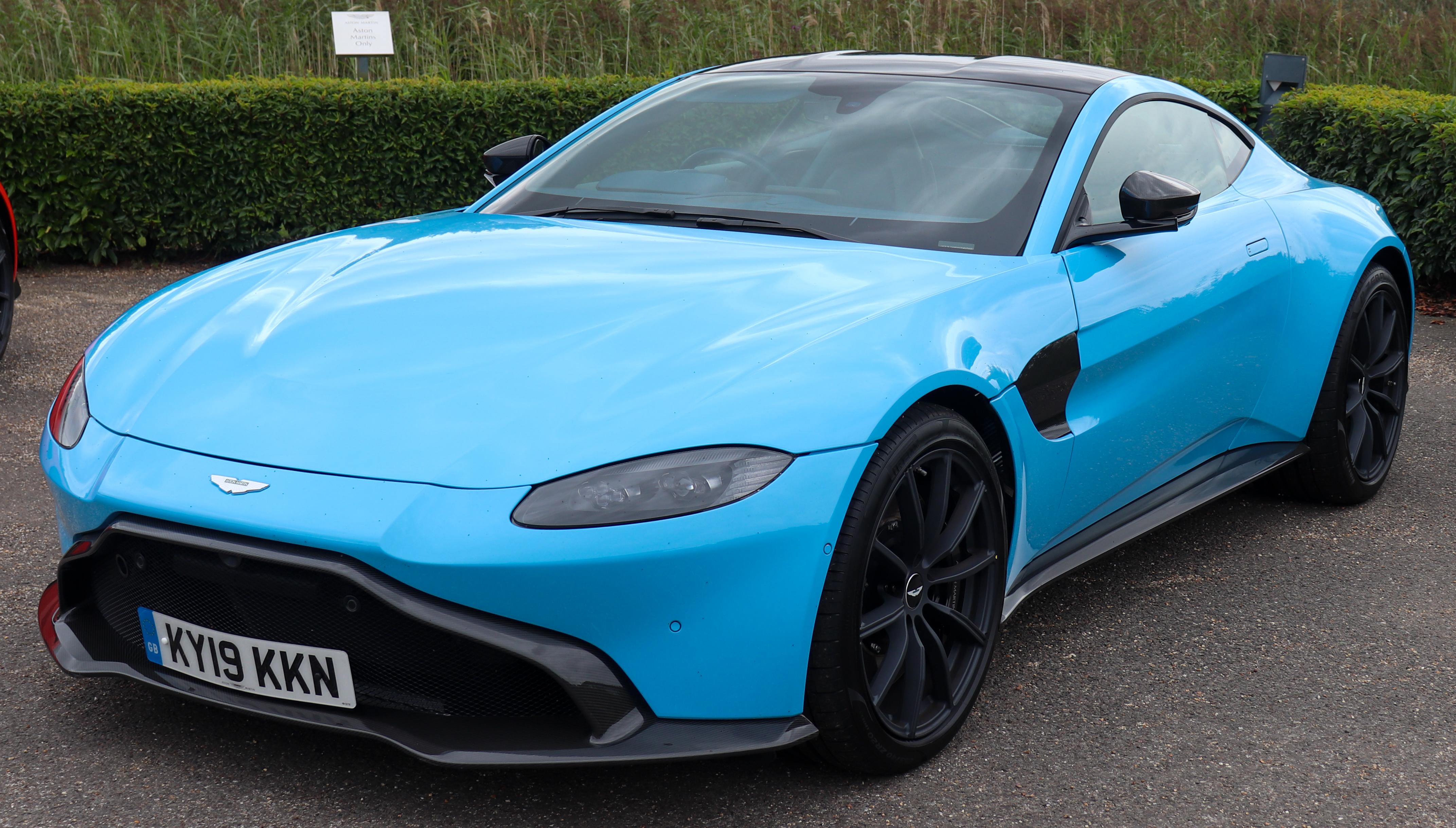 File 2019 Aston Martin Vantage V8 Automatic 4 0 Front Jpg Wikimedia Commons