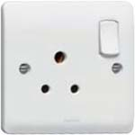 5 A switched socket-outlet to BS 546