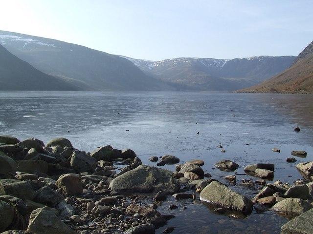 A frozen Loch Lee - geograph.org.uk - 699393