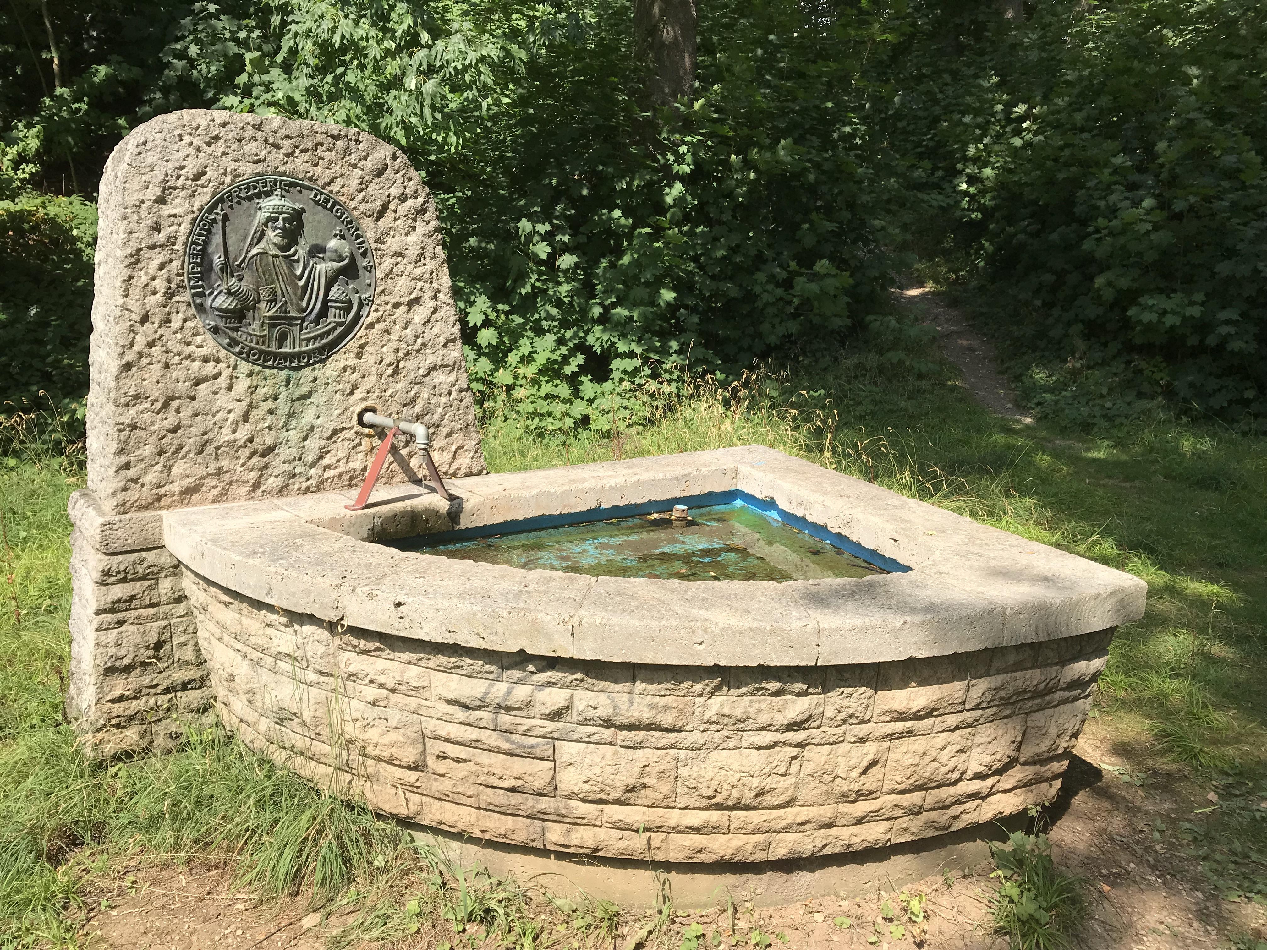 Aalen Barbarossabrunnen.jpg