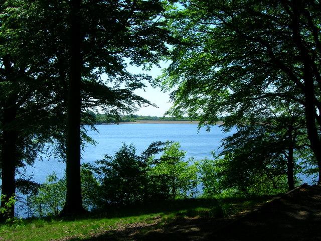 Anglezarke Reservoir - geograph.org.uk - 1331348