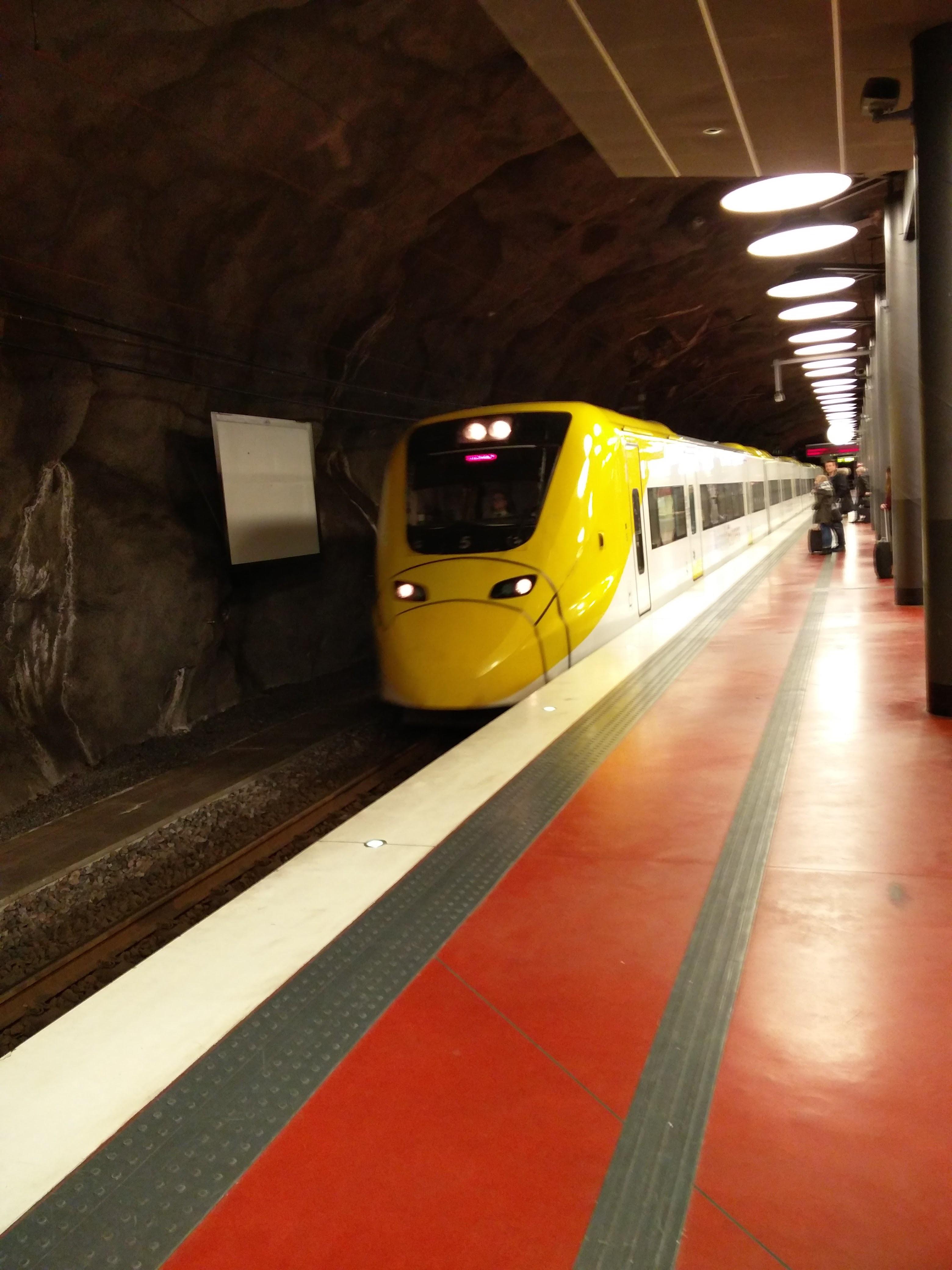 File:Arlanda Express dans le terminal 2 jpg - Wikipedia