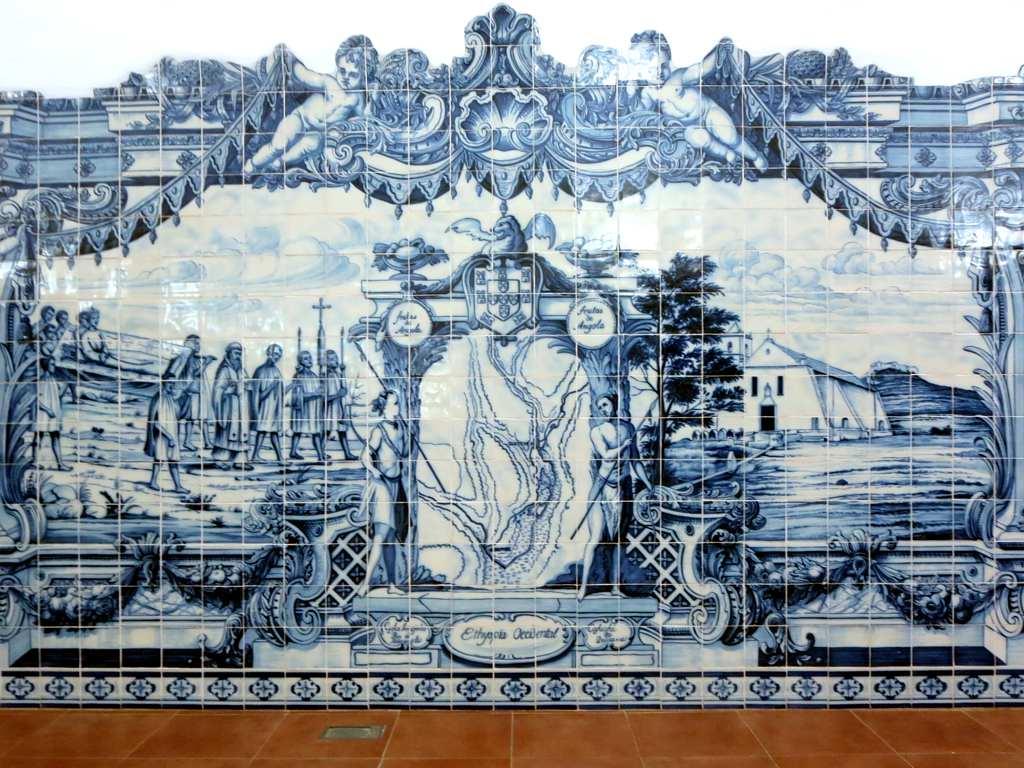 File:Blue Ceramic Tiles (19838198570).jpg - Wikimedia Commons