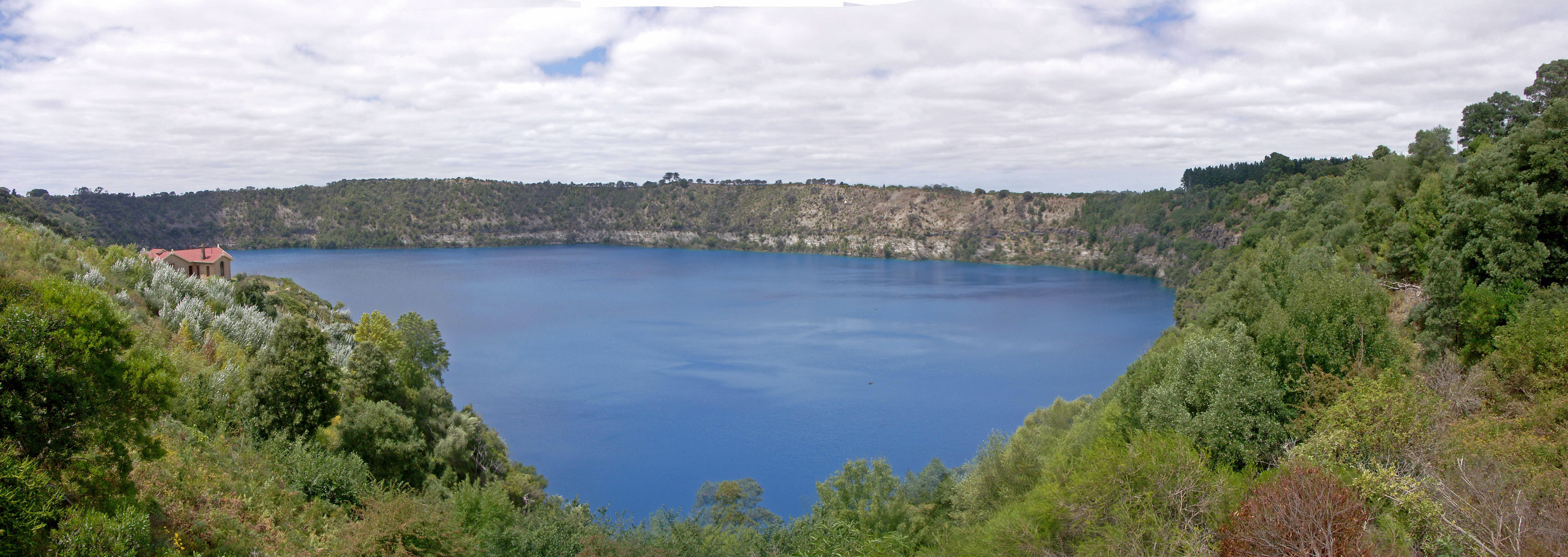 Mount Gambier Australia  city pictures gallery : Blue Lake Mount Gambier Australia Wikimedia Commons