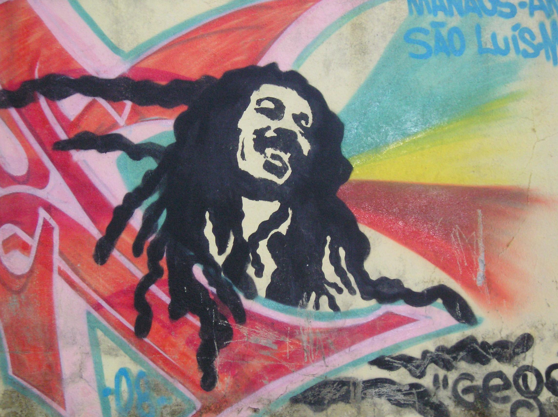 Mural de Bob Marley en una ciudad de Brasil.