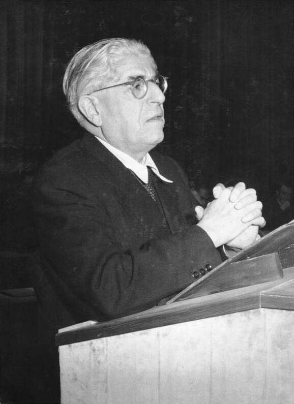 Bundesarchiv Bild 183-27348-0008, Berlin, Ernst Bloch auf Begegnung der Geistesschaffenden.jpg