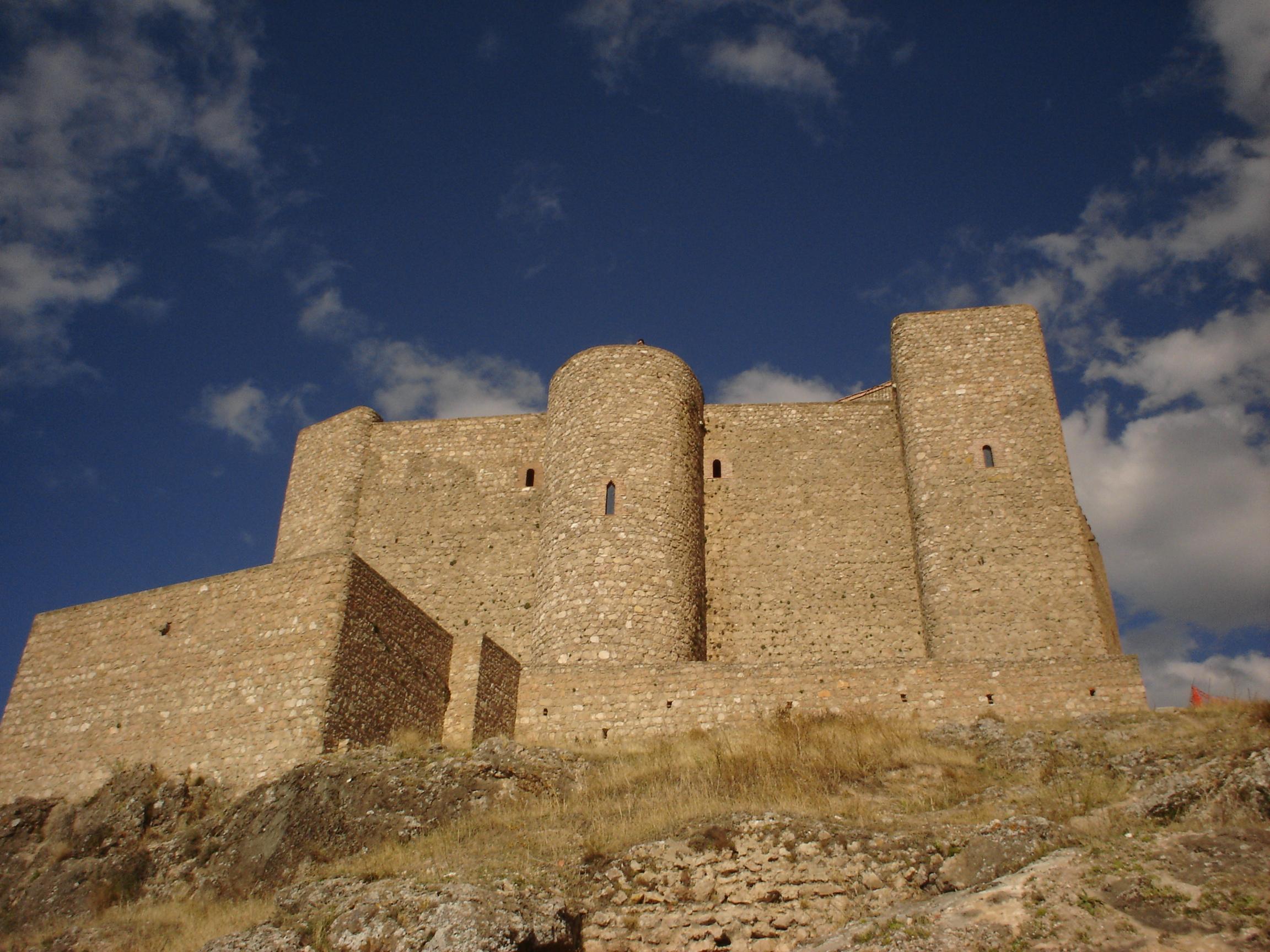 File:Castillo de Segura de la Sierra.jpg - Wikimedia Commons