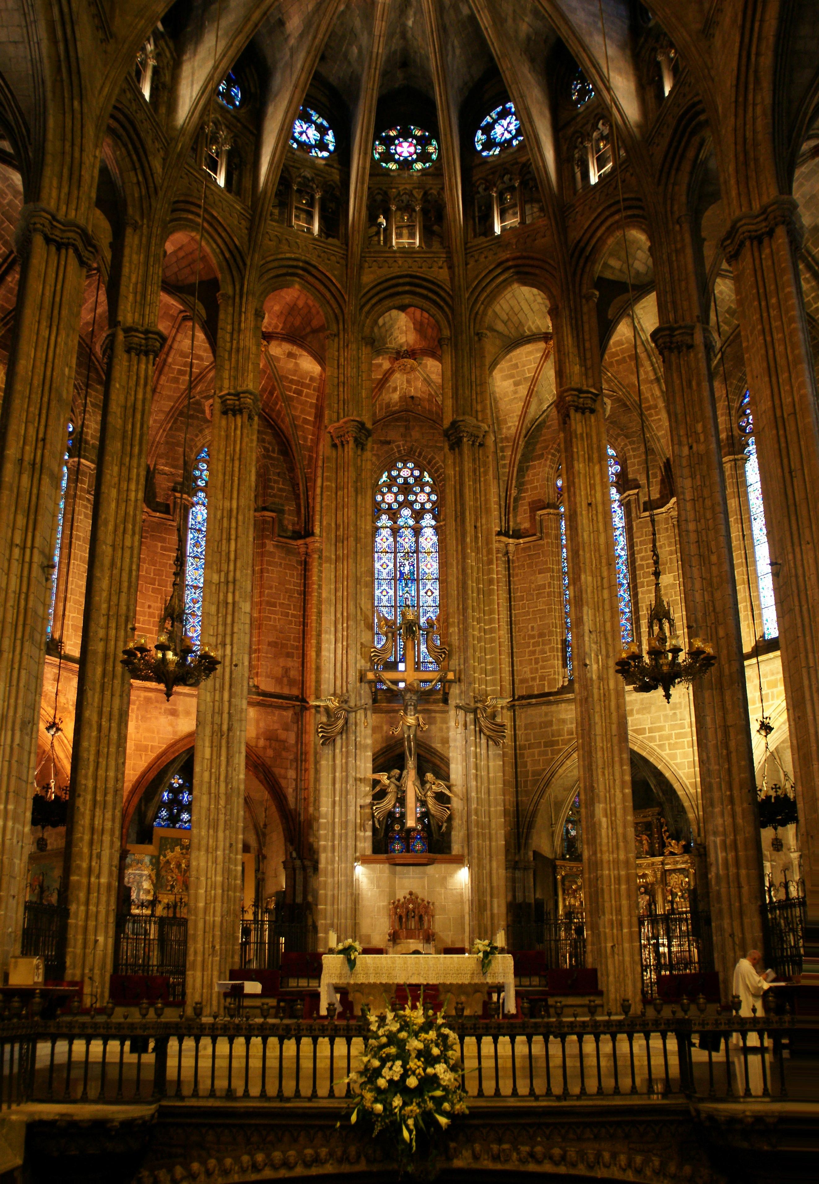Catedral de barcelona 03 jpg for Interior de la catedral de barcelona
