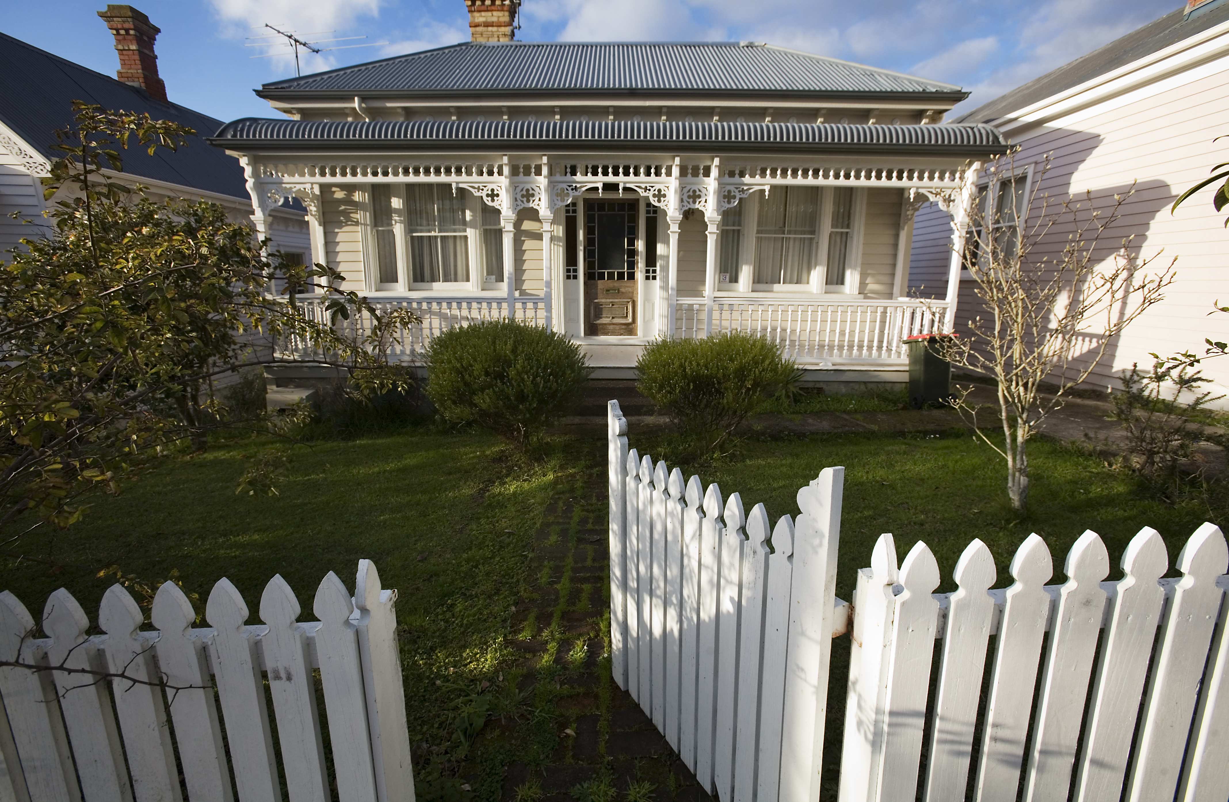 File classic wooden house and fence auckland g