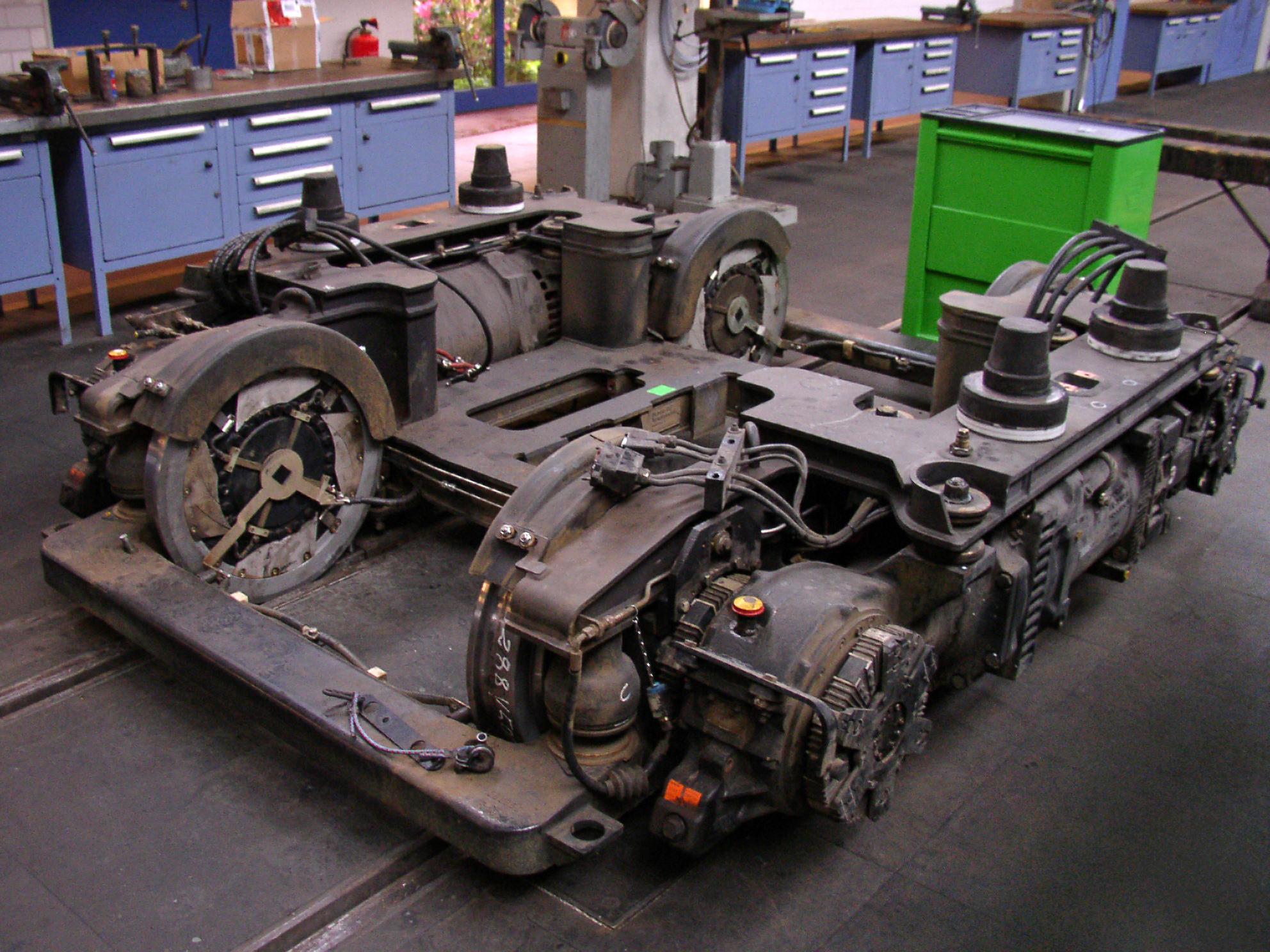 схема управления тяговым электродвигателем трамвая