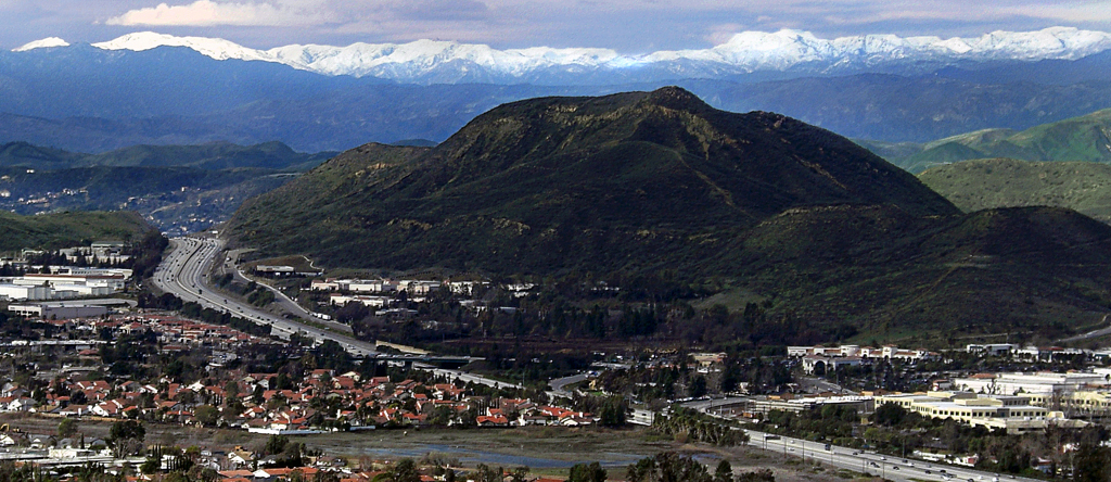 Conejo Grade and Conejo Mountain in westernmost Newbury Park. The Topa Topa Mountains can be seen in the far back. Conejo Grade in Thousand Oaks.jpg