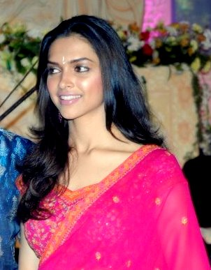 Deepika Padukone in Red Saree | Veethi