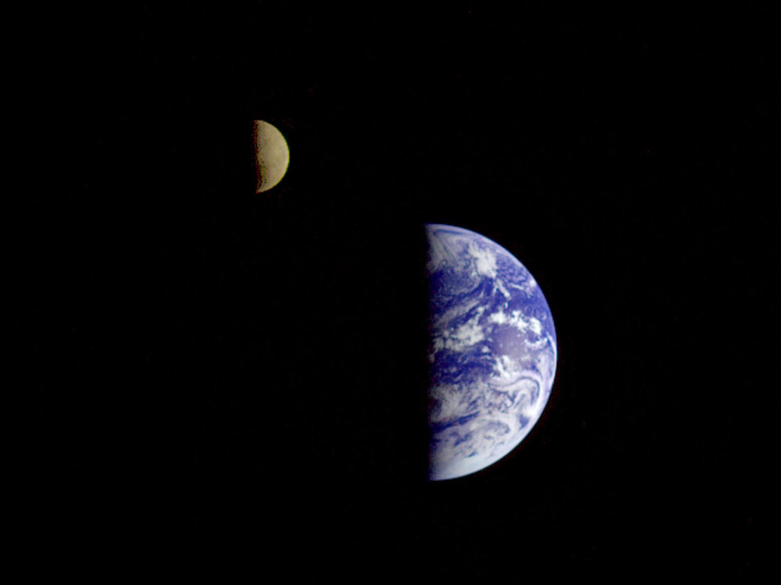 Talkclaimed Moons Of Earth Wikipedia 7924554 Moonphasesdiagram1jpg Fileearth And Moon Wikimedia Commons