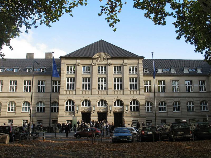 Sitz der FH-Verwaltung in der Südstadt. Quelle: Wikimedia/ Pressestelle FH Köln